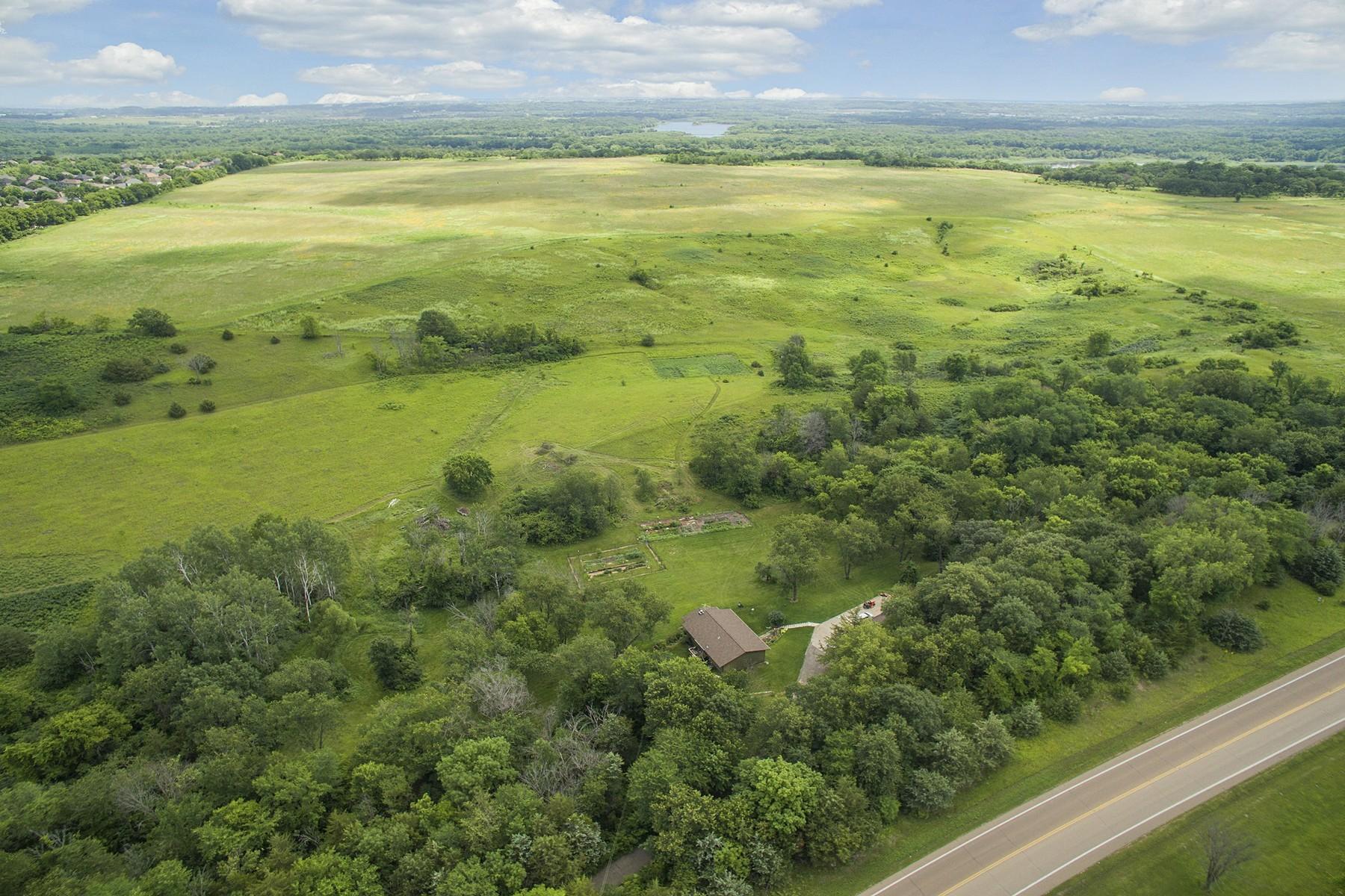 Terrain pour l Vente à 14485 Jonathan Carver Parkway Carver, Minnesota 55315 États-Unis