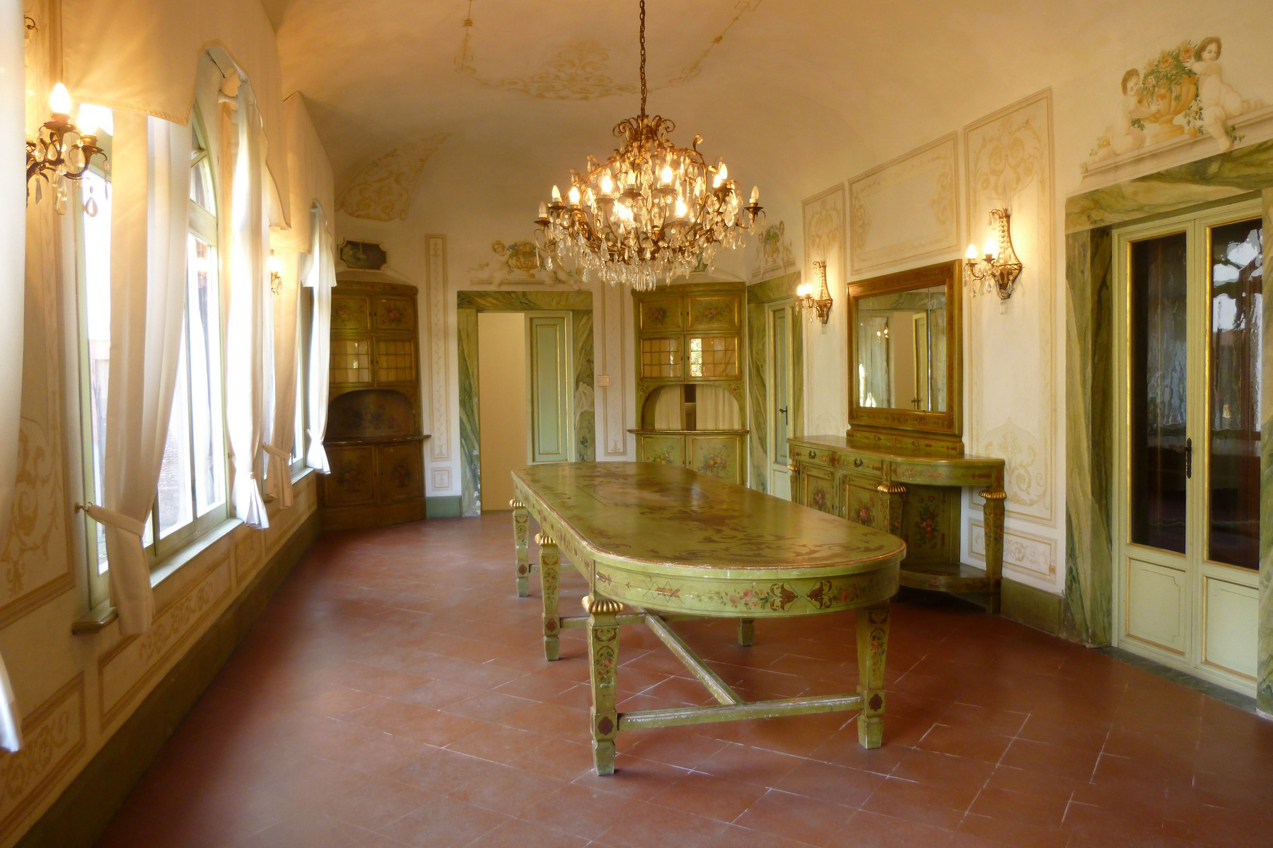 Additional photo for property listing at Stunning property with vineyards and olive groves in the heart of Tuscany Capraia e Limite Capraia E Limite, Florence 50050 Italy