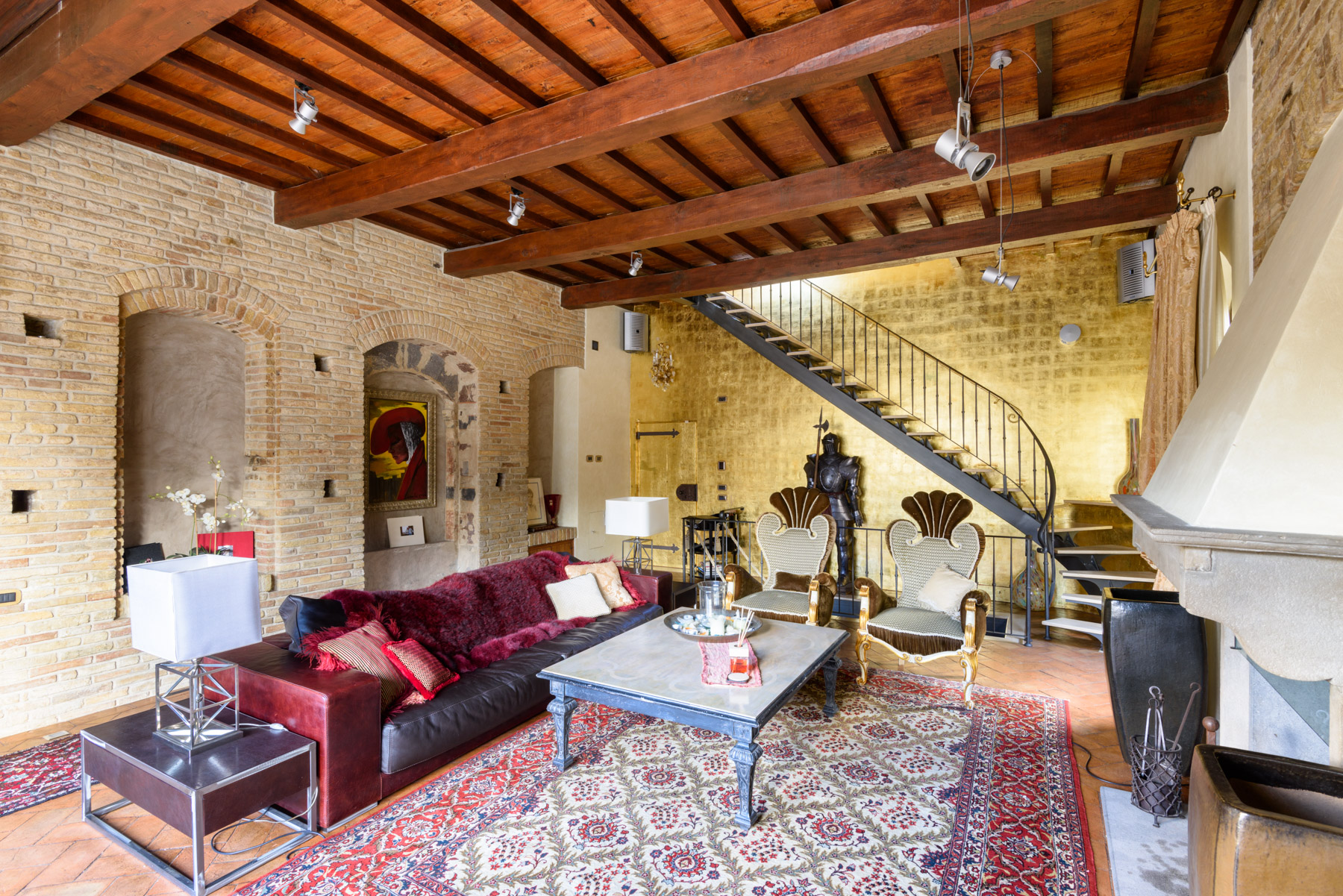 Additional photo for property listing at Medieval Tower in the center of San Gimignano Vicolo delle Vergini San Gimignano, Siena 53037 Italy