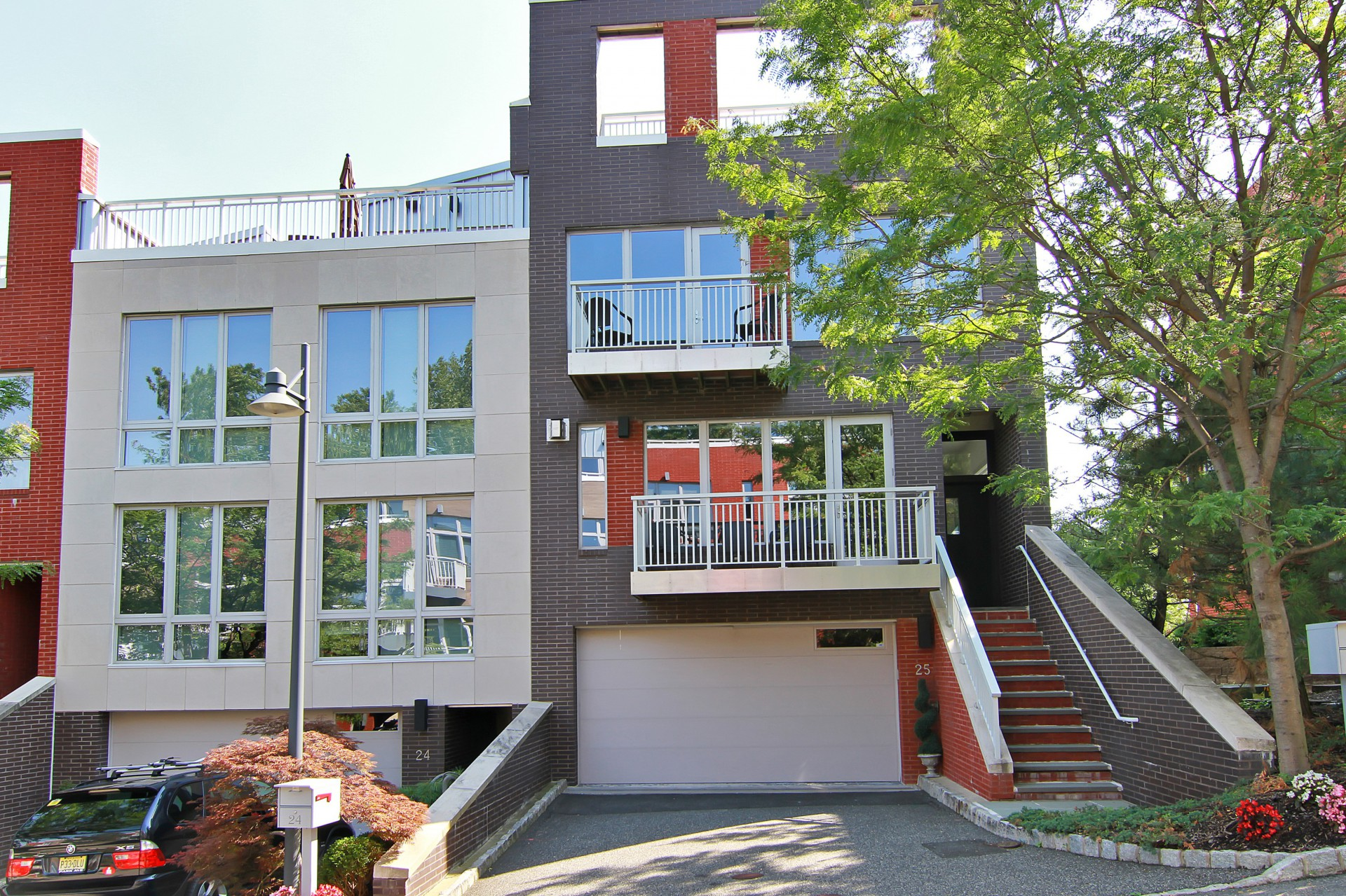Maison accolée pour l Vente à Townhome Community 25 Vela Way Edgewater, New Jersey 07020 États-Unis