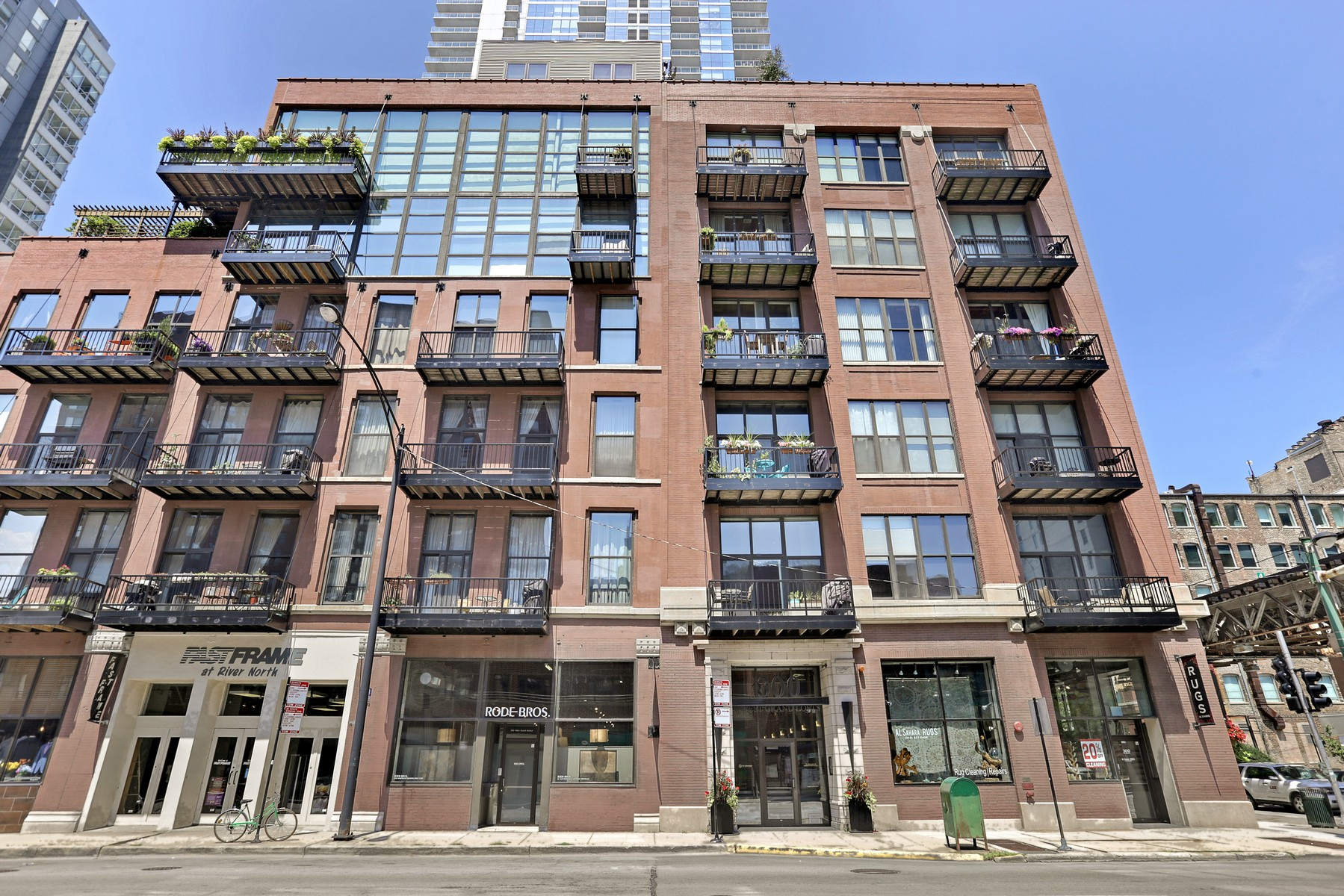 콘도미니엄 용 매매 에 Penthouse Triplex Timber Loft 300 W Grand Avenue Unit 601 Near North Side, Chicago, 일리노이즈, 60654 미국
