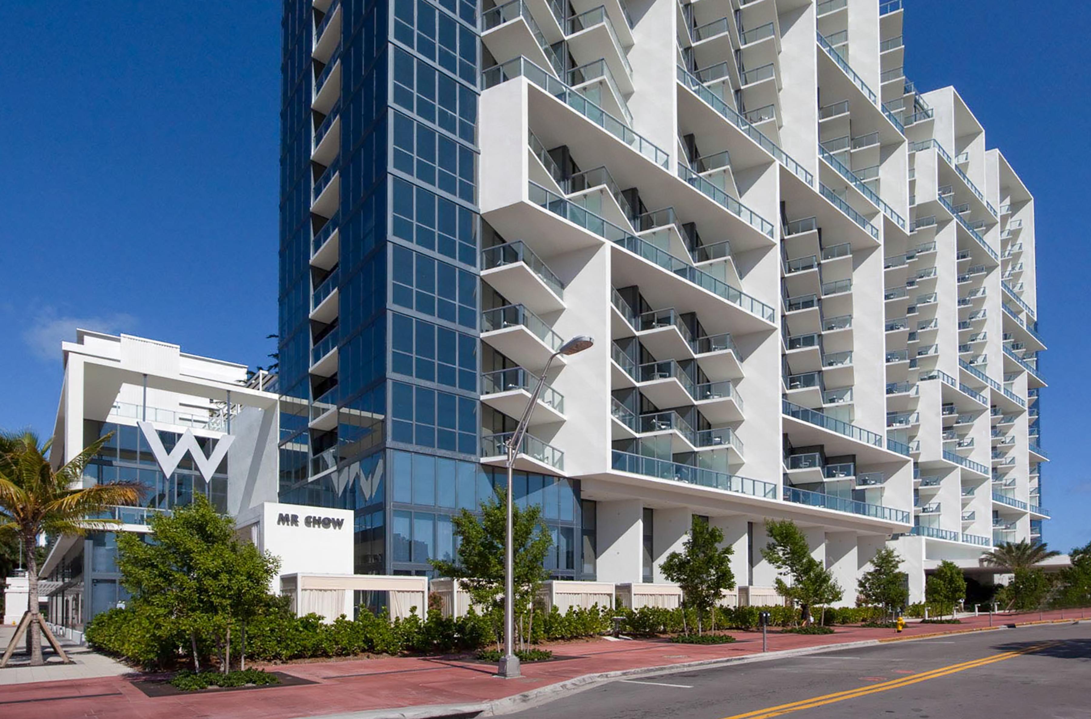 Condomínio para Venda às Condominium 2201 Collins Ave. Unit 822 Miami Beach, Florida 33138 Estados Unidos