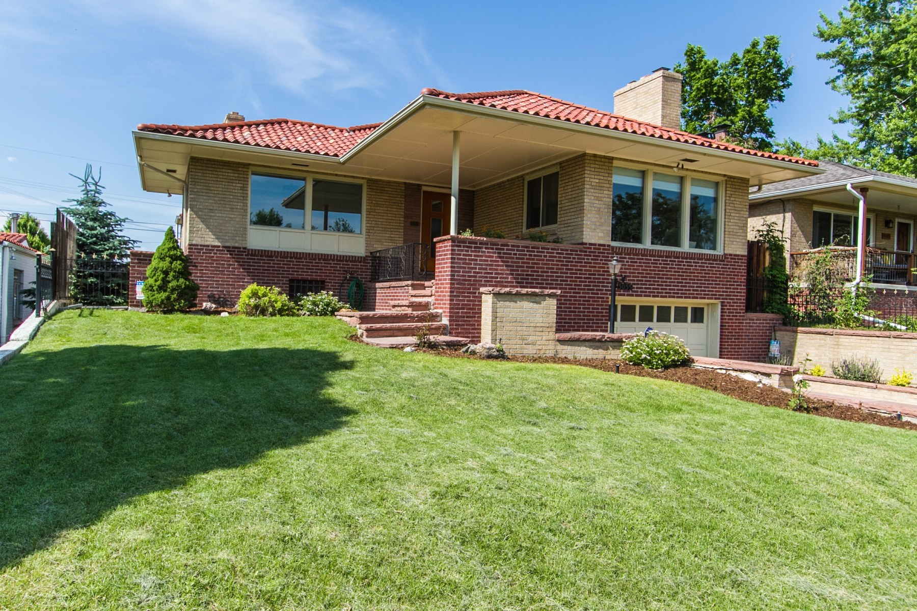 Single Family Home for Sale at 1950s Atomic Ranch in Cottage Hill 5055 West 33rd Avenue Denver, Colorado 80212 United States
