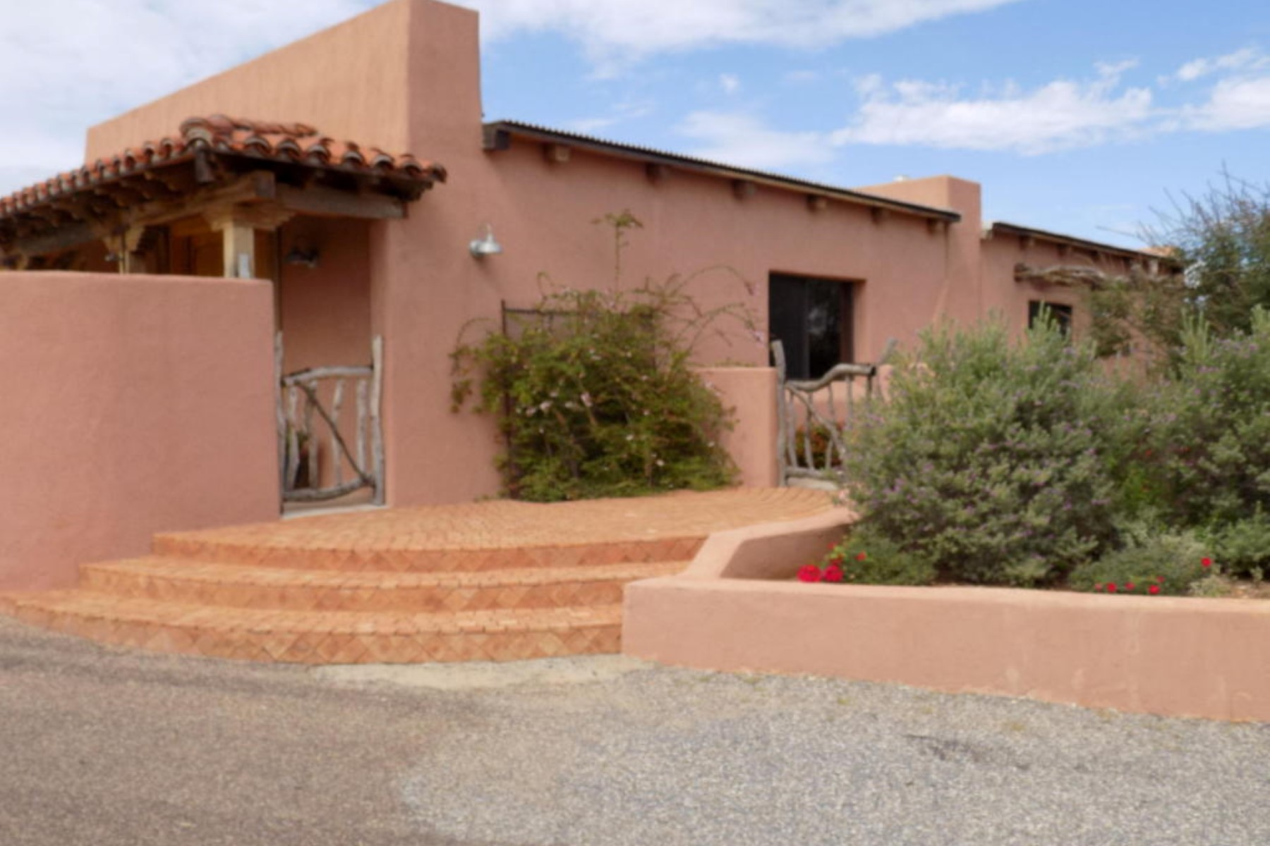 Single Family Home for Sale at Well-constructed, custom-built home in the Sonoita Meadows subdivision 12 Black Oak Drive Sonoita, Arizona, 85637 United States