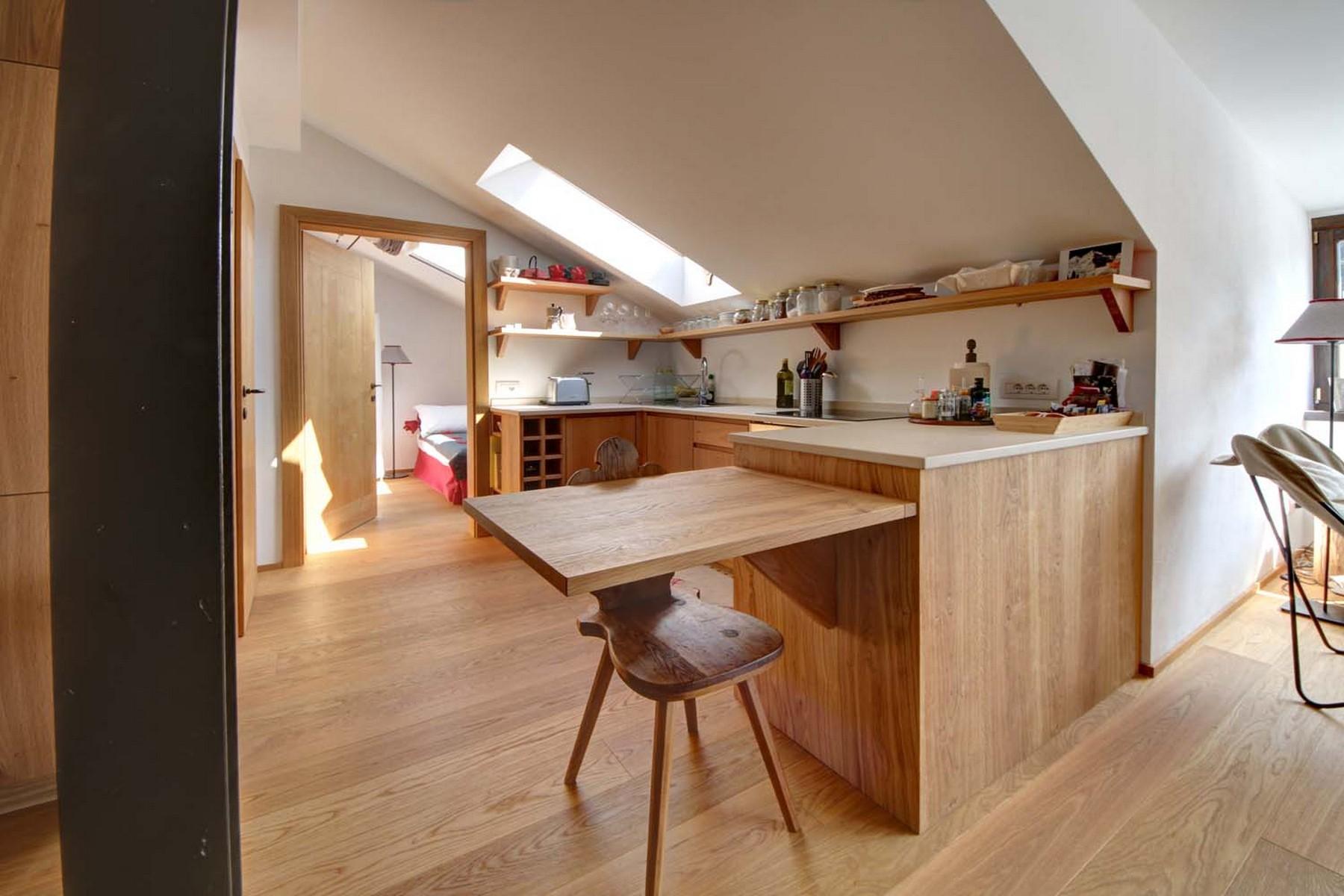 Additional photo for property listing at Enchanting apartment totally restore Dobbiaco Dobbiaco Toblach, Bolzano 39034 Italien