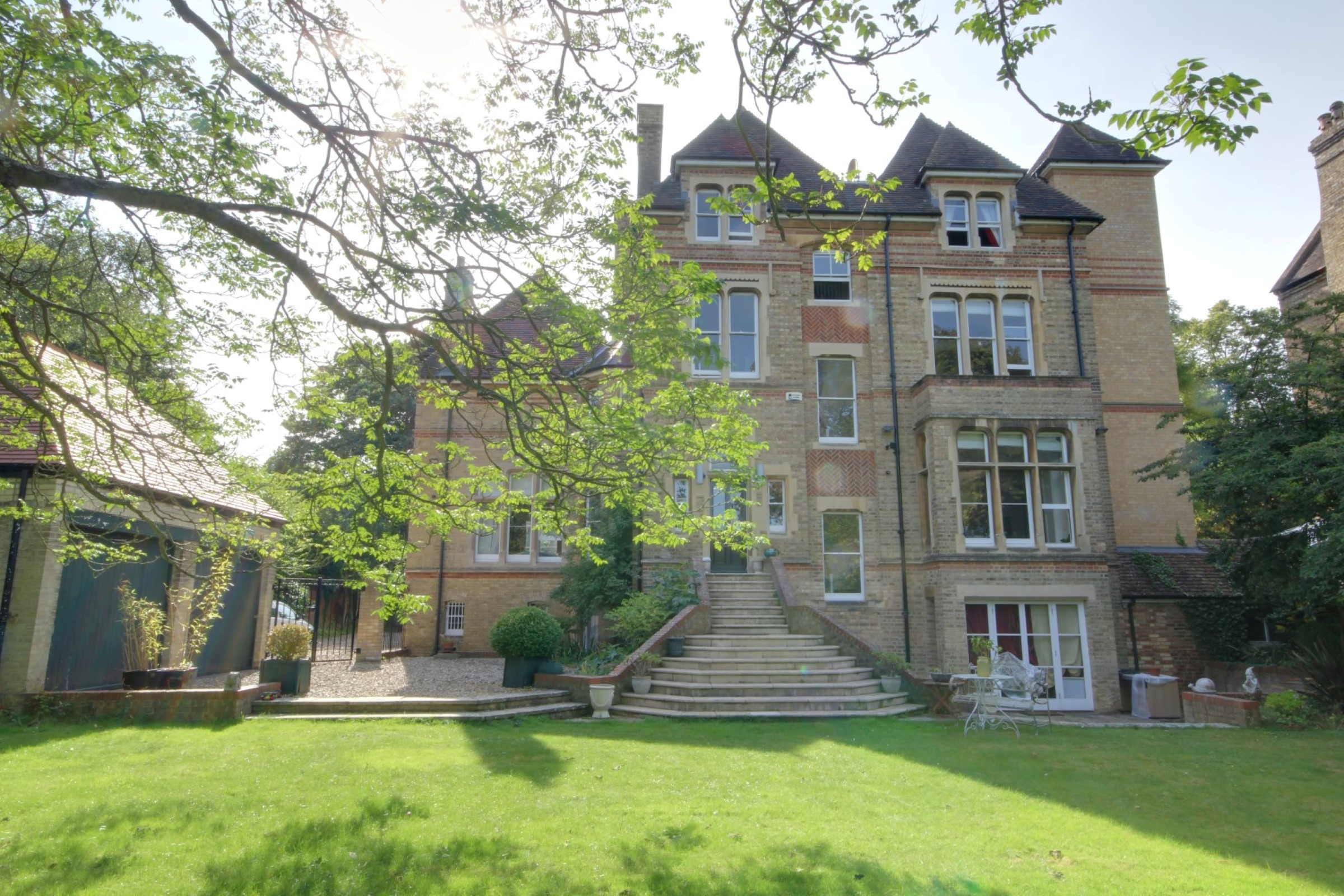 Single Family Home for Sale at Oxford Bradmore Road Oxford, England, OX26QP United Kingdom