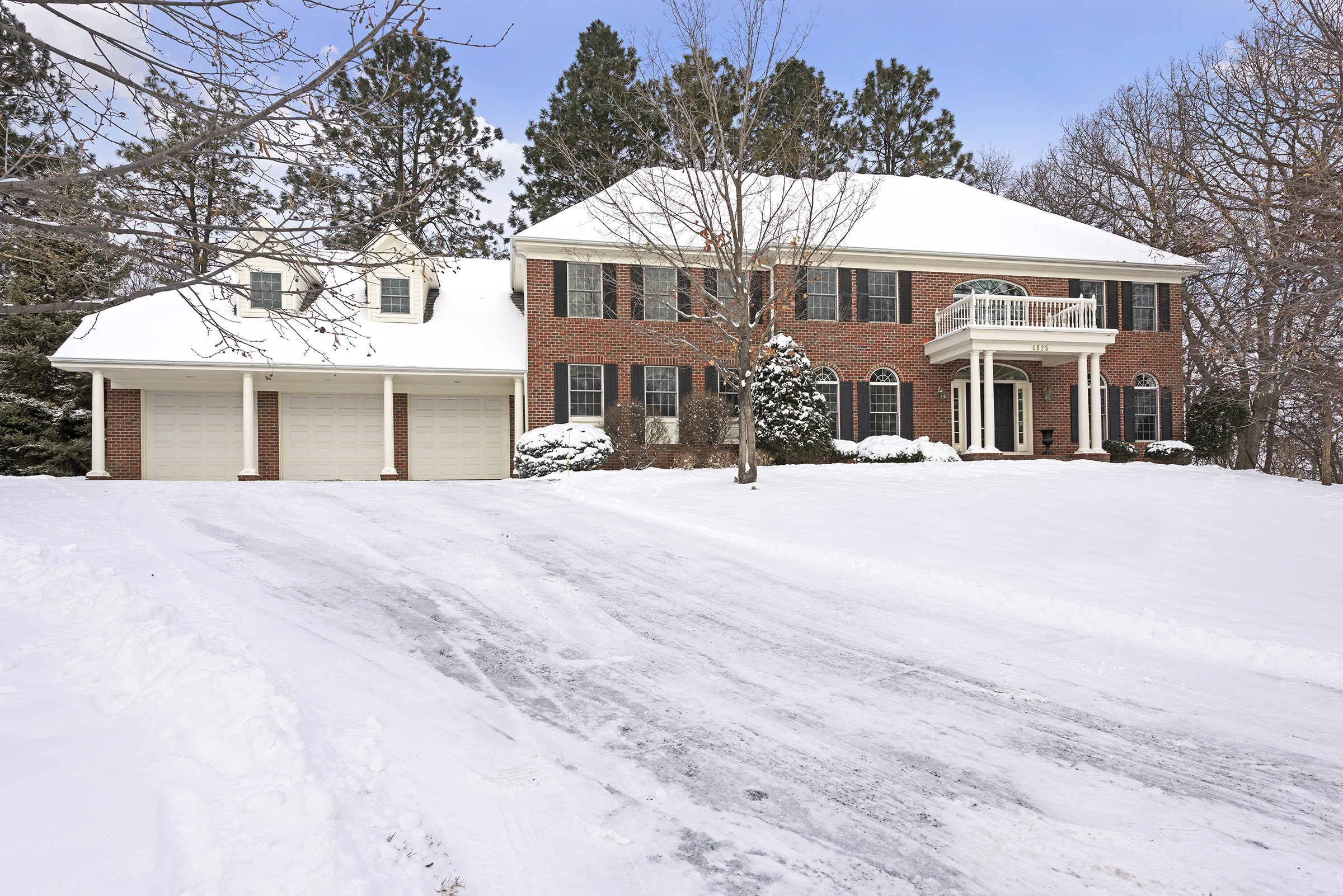 Property For Sale at 4925 Green Farms Circle