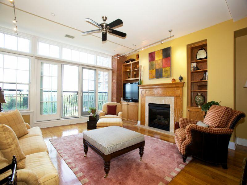 Nhà chung cư vì Bán tại Designer Showcase at Sugar House! Picture-Perfect Loft with Hudson Views! 174 Washington Street #3H Jersey City, New Jersey 07302 Hoa Kỳ