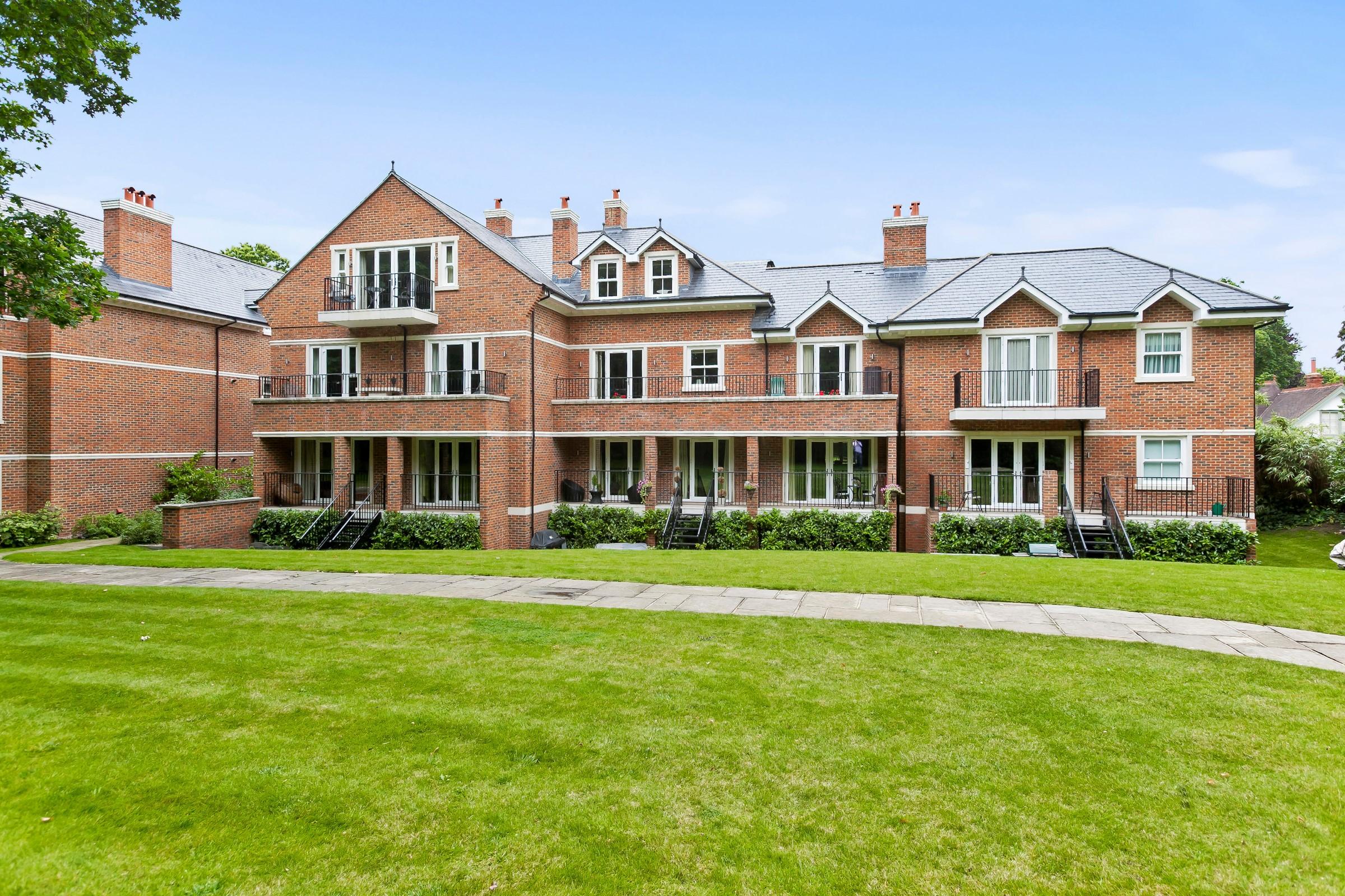 アパート のために 売買 アット Weybridge, Surrey Gower Road Weybridge, イギリス, KT130BF イギリス
