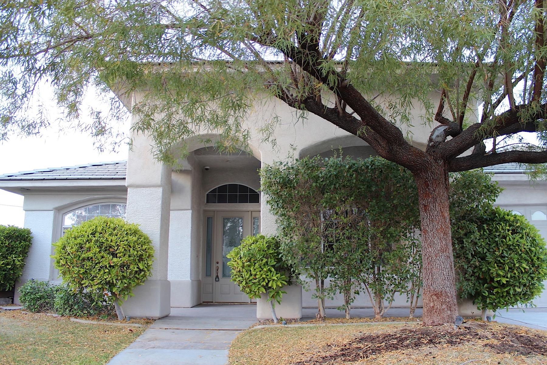 Nhà ở một gia đình vì Bán tại 7200 W Pebble Rd Las Vegas, Nevada 89113 Hoa Kỳ