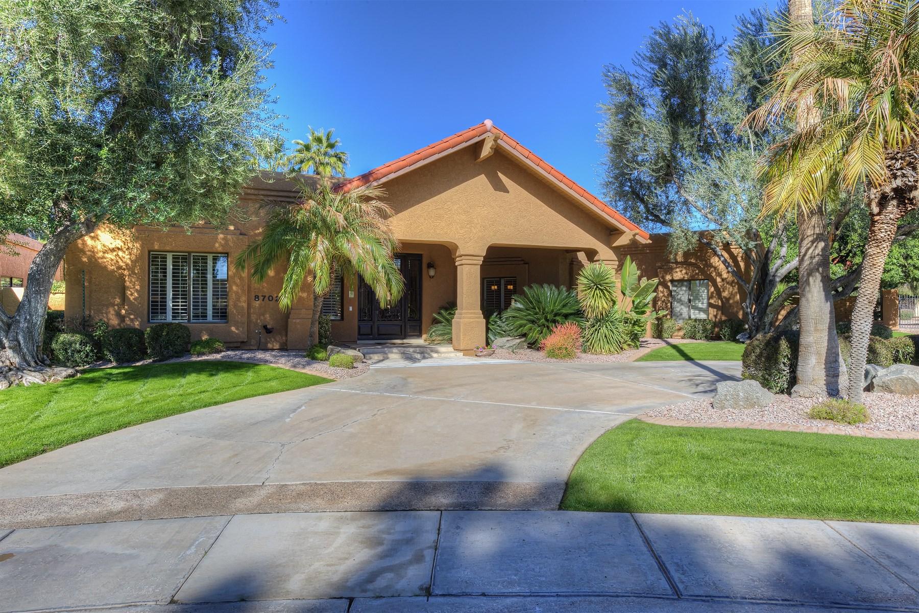 Nhà ở một gia đình vì Bán tại Complete Remodel By One Of The Finest Builders In Paradise Valley & Scottsdale 8702 E San Vicente Drive Scottsdale, Arizona 85258 Hoa Kỳ