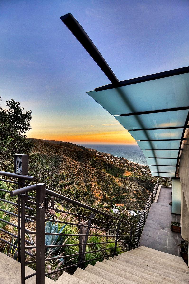 Casa Unifamiliar por un Venta en Laguna Beach 591 Balboa Avenue Laguna Beach, California 92651 Estados Unidos