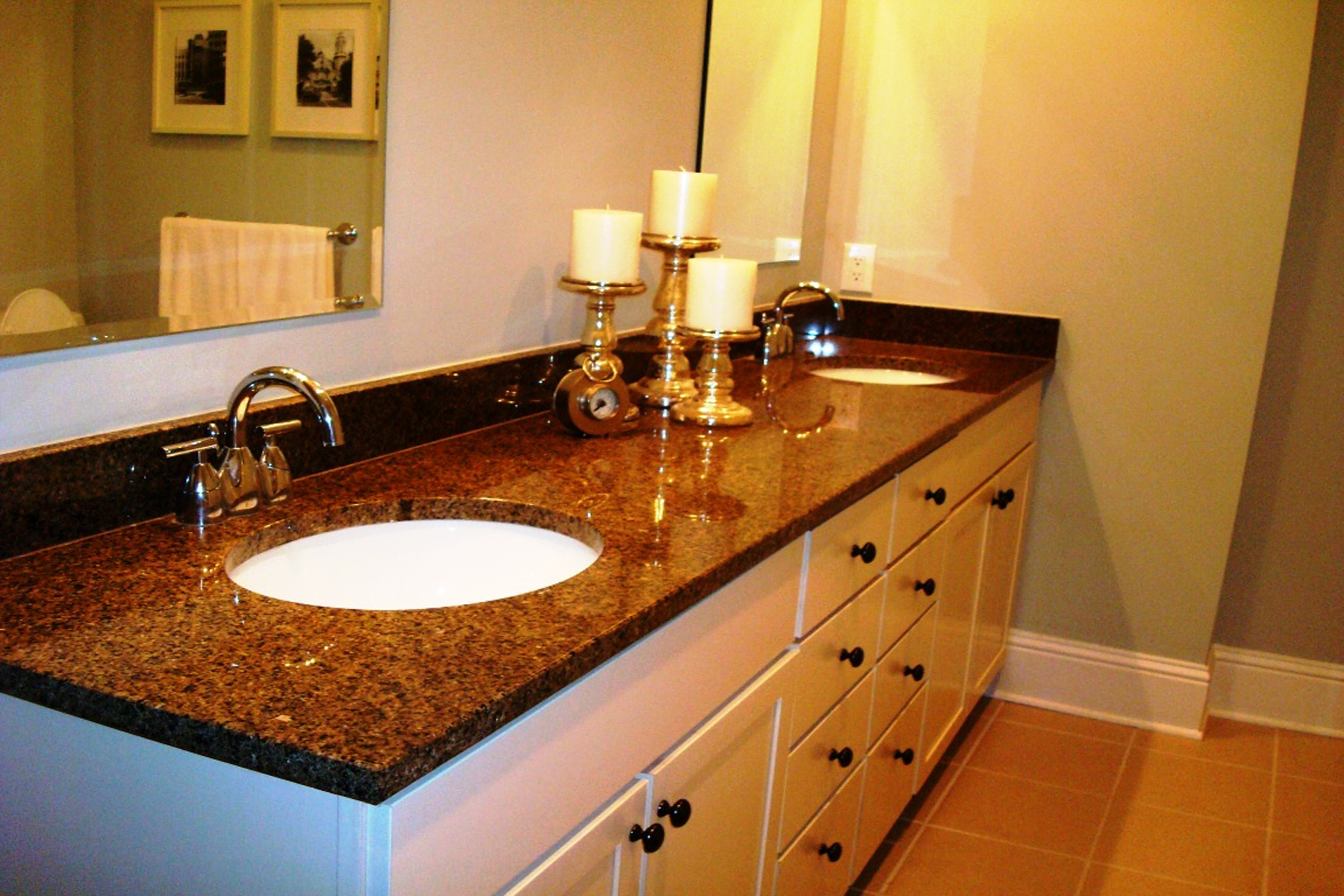 Property Of Gorgeous Executive Two Bedroom, Two and a Half Bath Open Plan Townhome