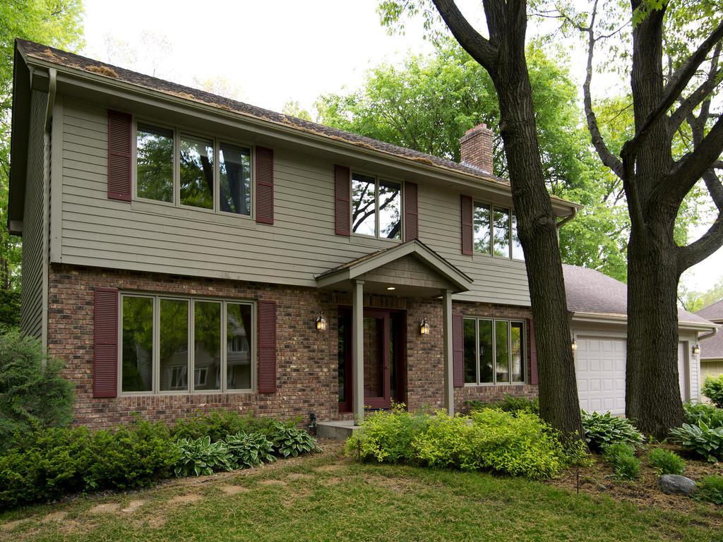 sales property at 520 Kimberly Lane N