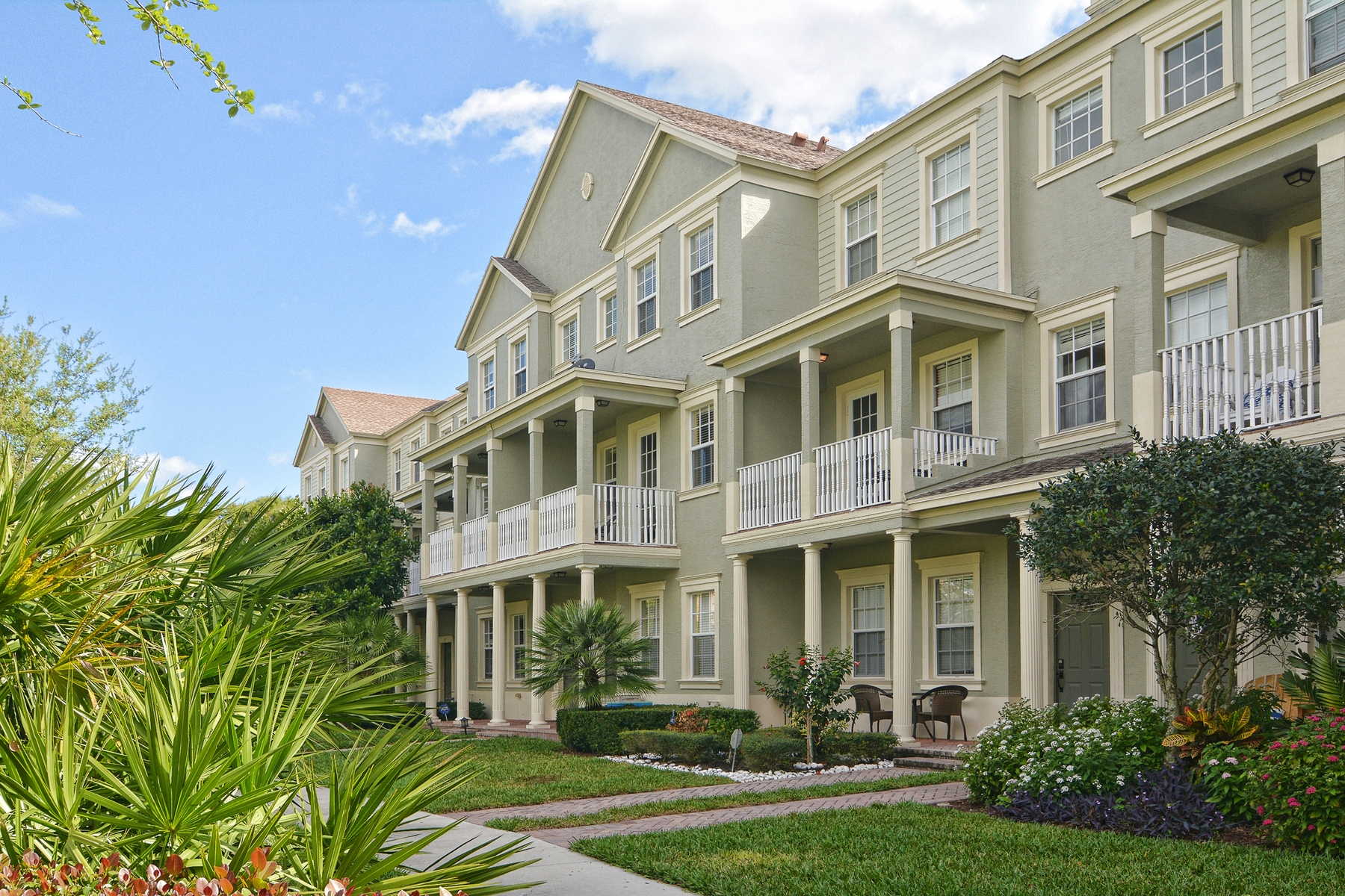 Townhouse for Sale at 121 E Bay Ceder Circle Botanica, Jupiter, Florida, 33458 United States