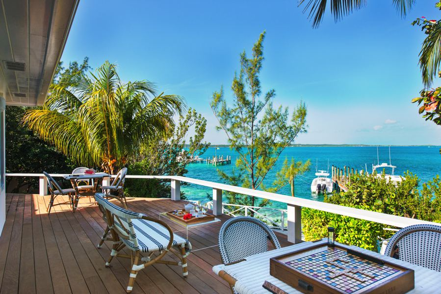Additional photo for property listing at Oceanfront Family Compound Harbour Island, Eleuthera Bahamas