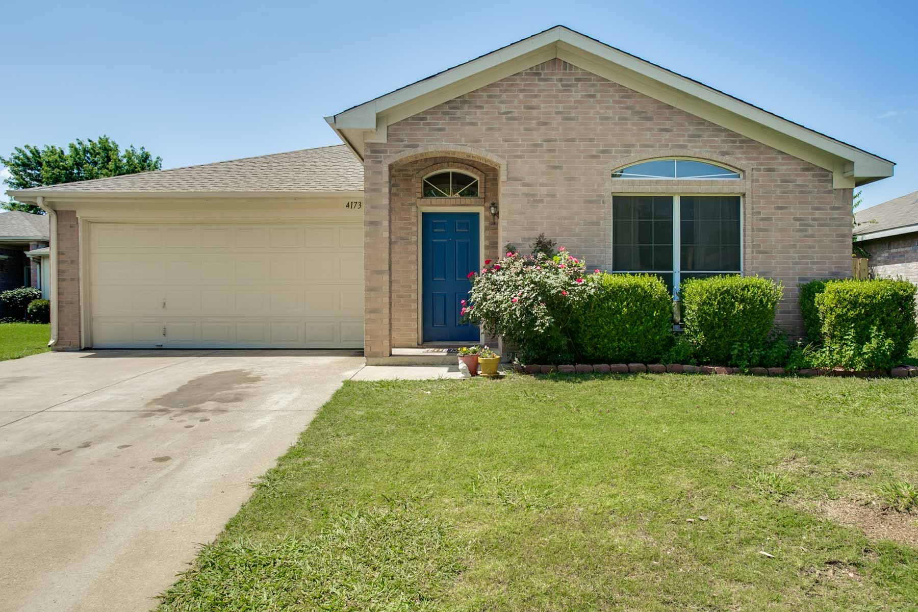 Single Family Home for Sale at South Fort Worth Traditional 4173 Coral Springs Court Fort Worth, Texas, 76123 United States