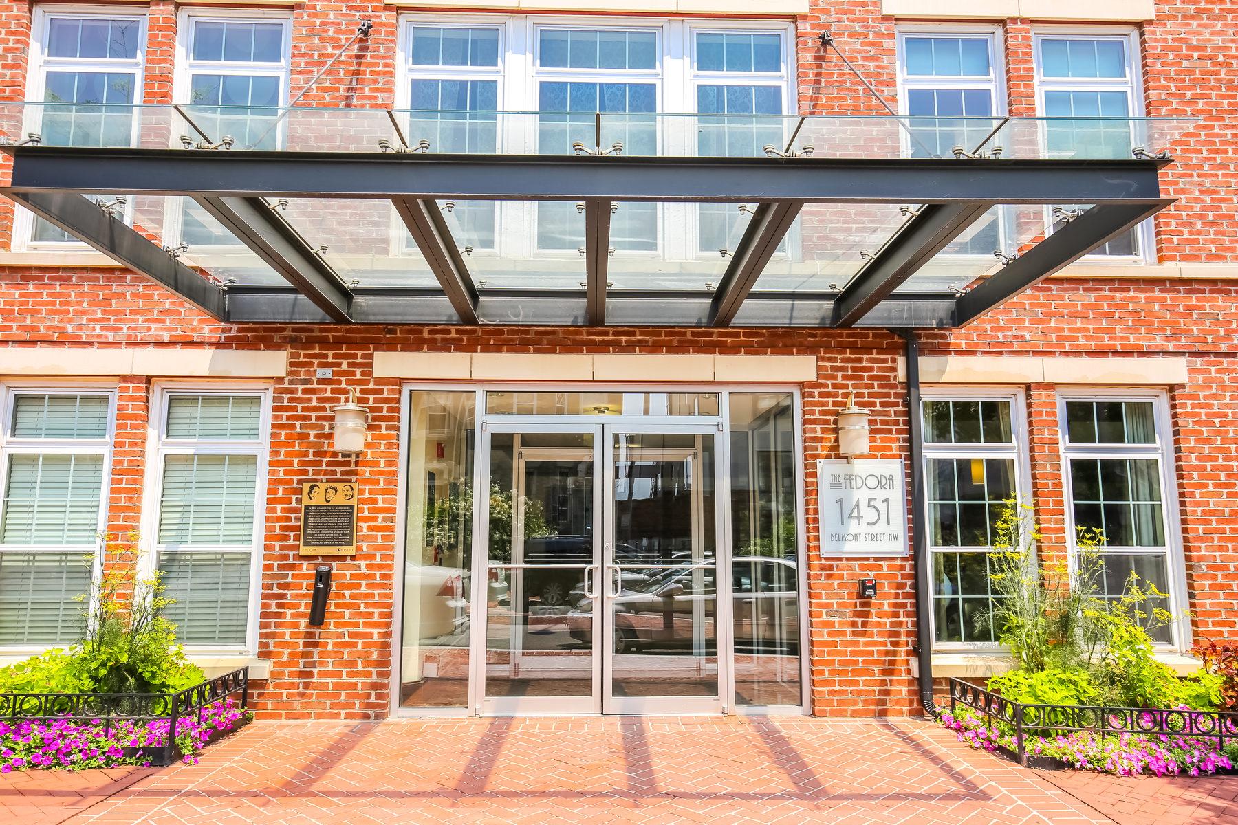 Кооперативная квартира для того Продажа на 1451 Belmont Street Nw 124, Washington Washington, Округ Колумбия 20009 Соединенные Штаты