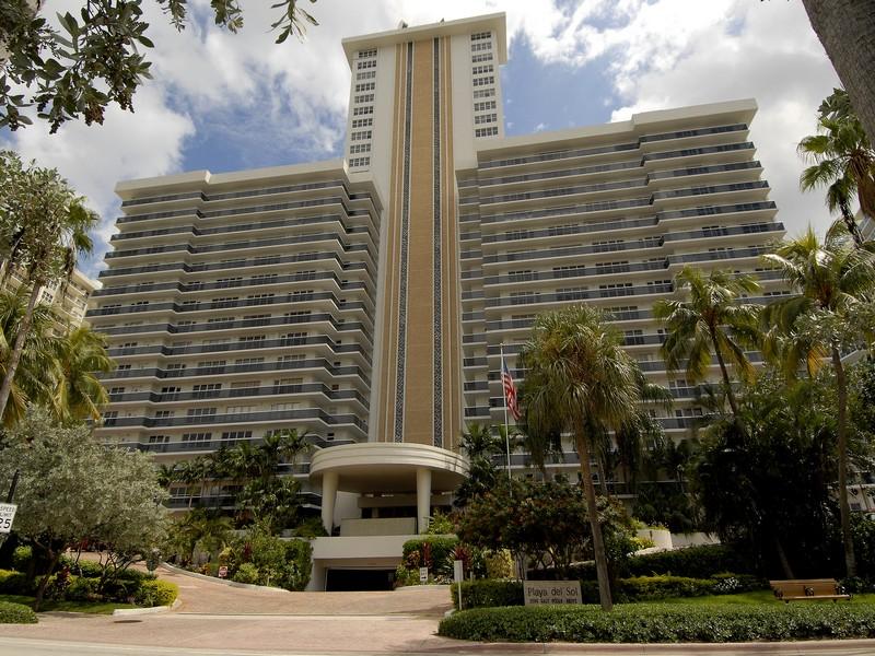 Piso por un Venta en Playa del Sol 3500 Galt Ocean Dr. #1407 Fort Lauderdale, Florida 33308 Estados Unidos