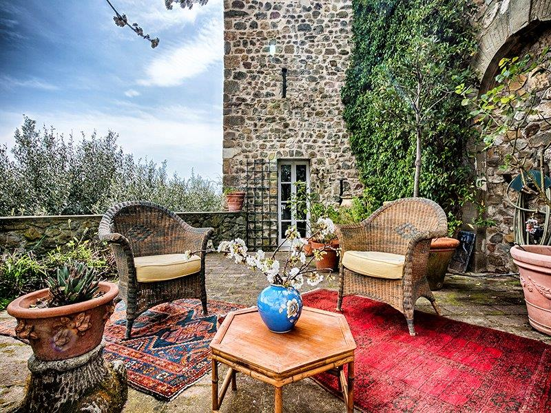 Additional photo for property listing at Graceful home in medieval watchtower Ortonovo Ortonovo, La Spezia 19034 Italien