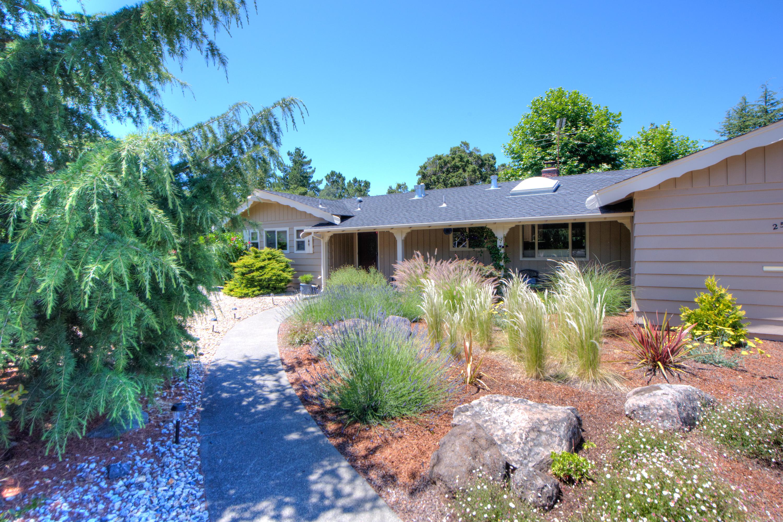 Single Family Home for Sale at Location! Location! Location! 250 Corte Del Cerro Novato, California, 94949 United States