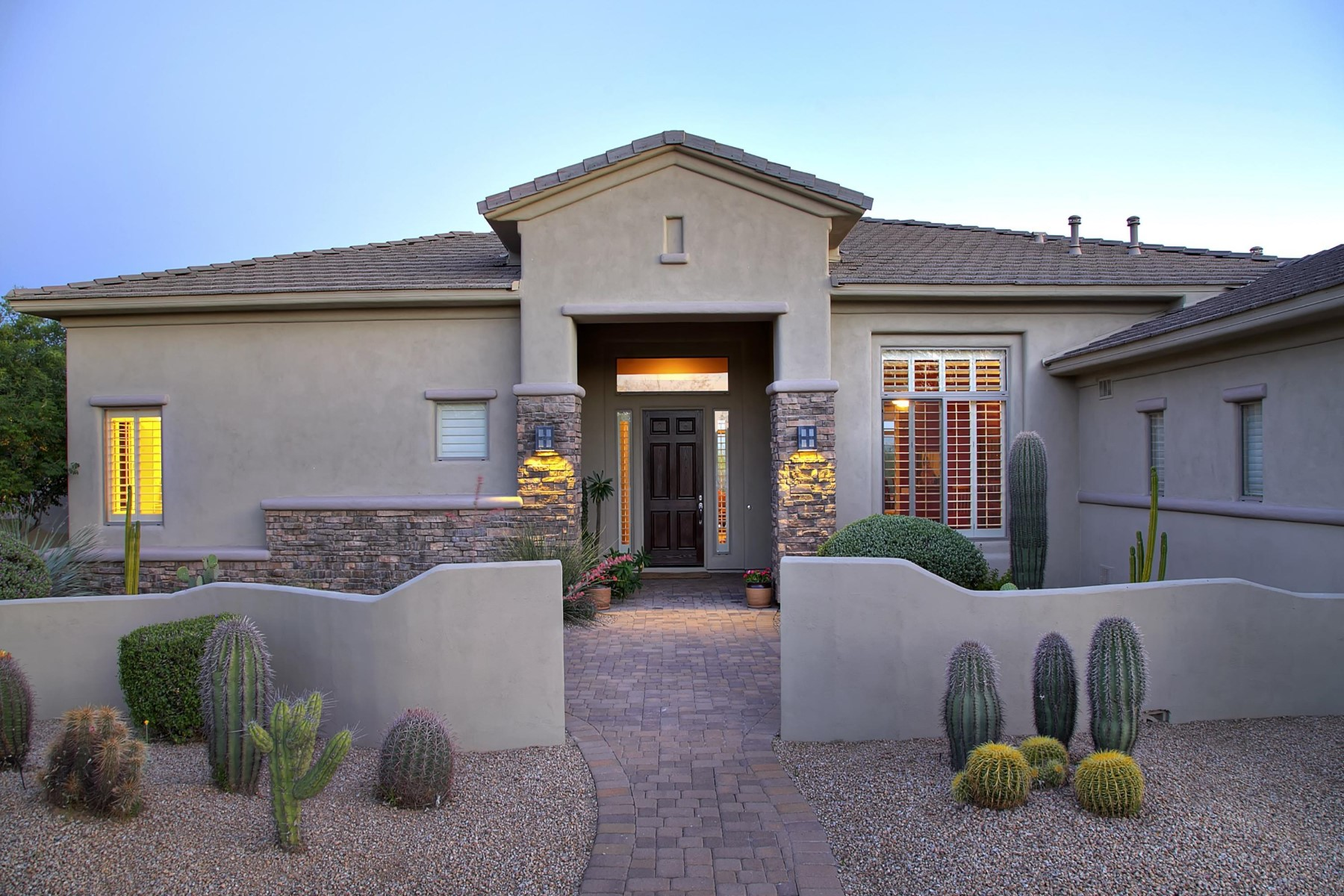 一戸建て のために 売買 アット Enjoy a single level home on a cul-de-sac lot with great curb appeal. 6437 E Greythorn Dr Scottsdale, アリゾナ, 85266 アメリカ合衆国