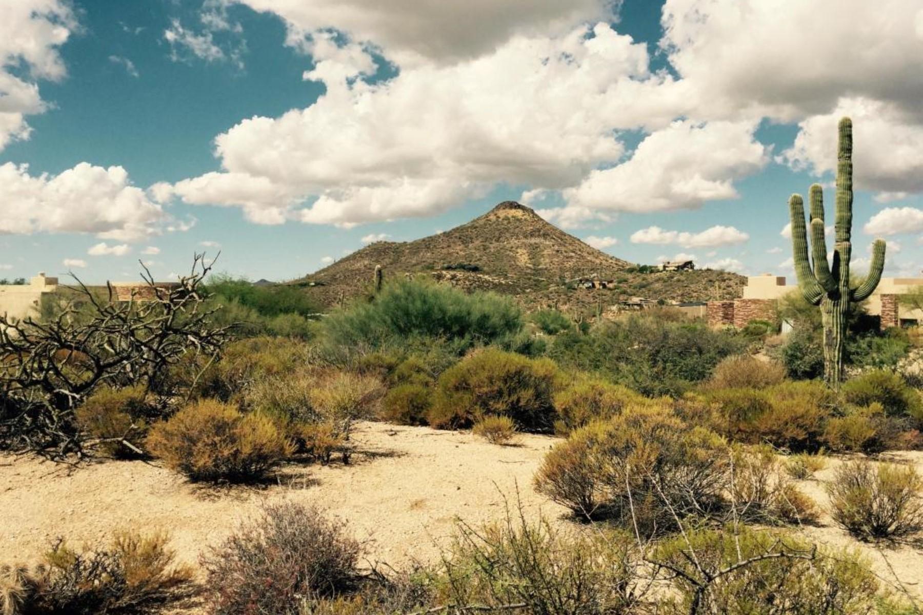 Terreno per Vendita alle ore Great private setting offering mountain views 9975 E Groundcherry Ln 26 Scottsdale, Arizona 85262 Stati Uniti