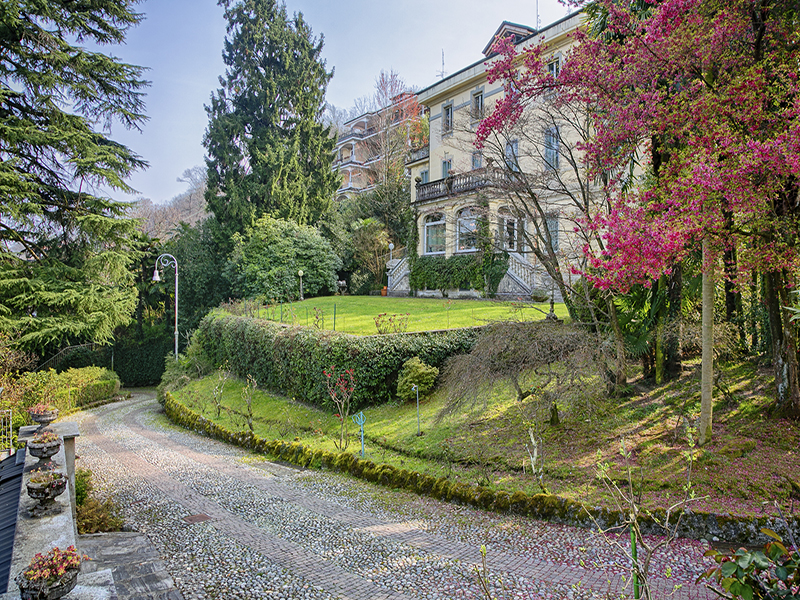 Single Family Home for Sale at Renowned villa with amazing views Via privata Bono Lamberti Stresa, Verbano Cusio Ossola 28835 Italy
