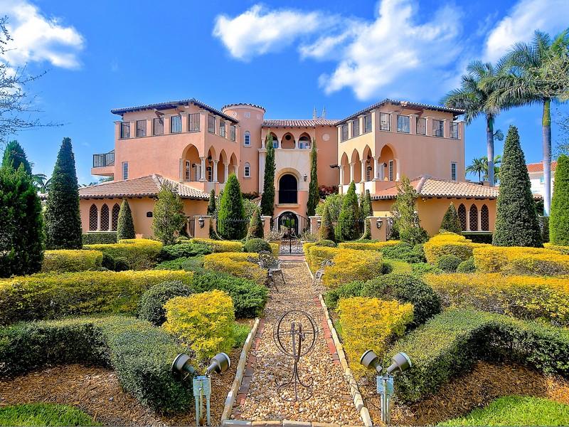 단독 가정 주택 용 매매 에 935 Bella Vista Avenue Coral Gables, FL 33156 Coral Gables, 플로리다 33156 미국