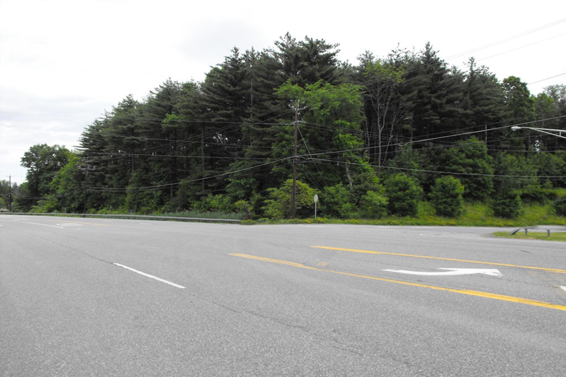 Terreno por un Venta en Vacant Land 0 Route 9 Halfmoon, Nueva York 12065 Estados Unidos