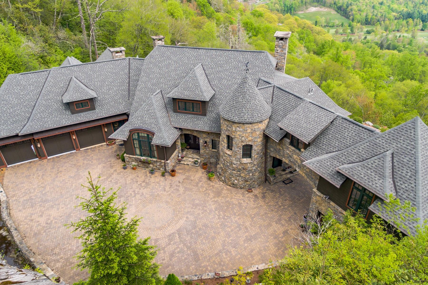 独户住宅 为 销售 在 793 Old Wagon Trail Highlands, 北卡罗来纳州, 28741 美国
