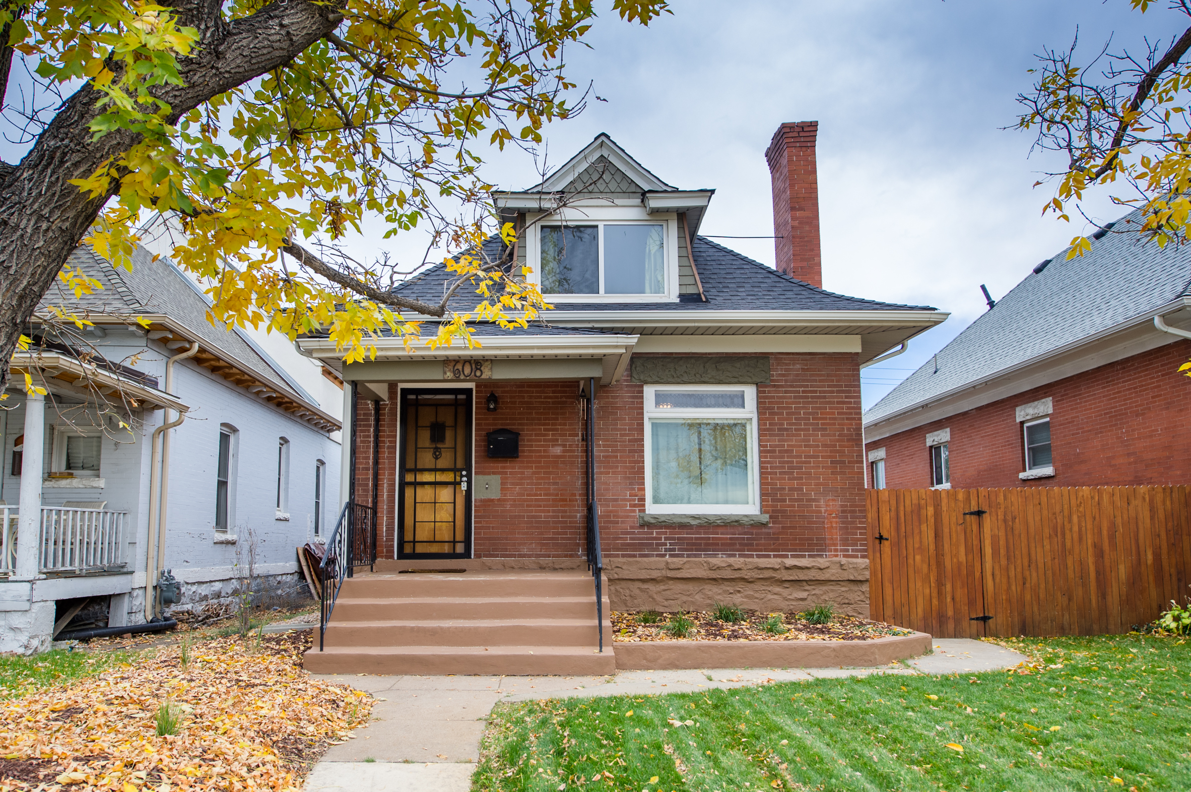 Single Family Home for Sale at Wonderful starter home! 608 South Lincoln Street Washington Park West, Denver, Colorado 80209 United States