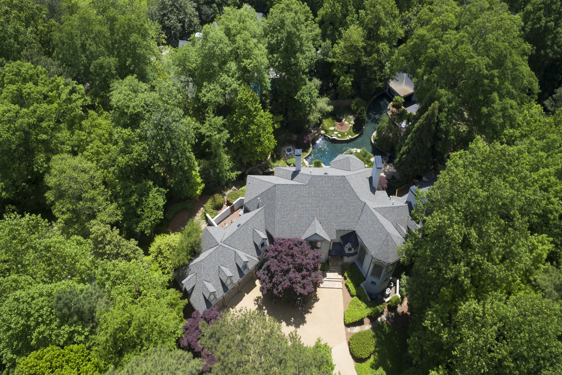 Частный односемейный дом для того Продажа на Buckhead Contemporary Perfect For Entertaining 1890 West Paces Ferry Road NW Buckhead, Atlanta, Джорджия, 30327 Соединенные Штаты