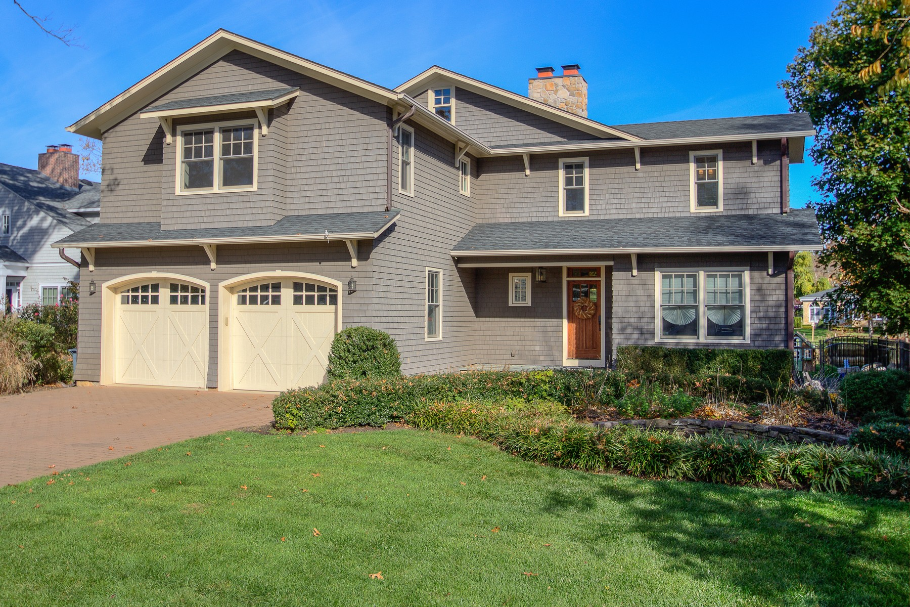 Single Family Home for Sale at SHORE SERENITY 43 Wardell Ave Rumson, New Jersey, 07760 United States