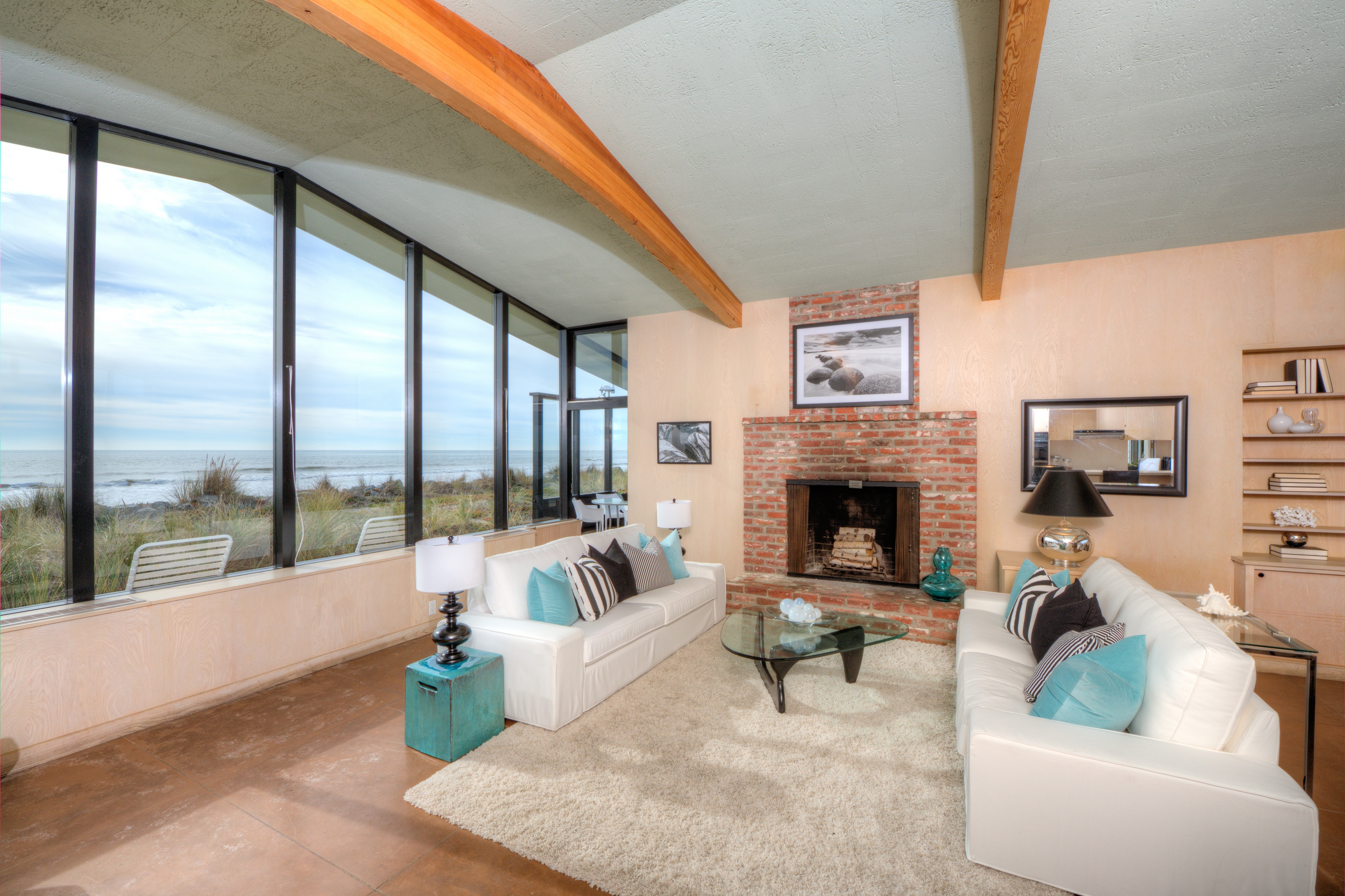 獨棟家庭住宅 為 出售 在 Oceanfront Property in Coveted Private Community 284 Seadrift Rd Stinson Beach, 加利福尼亞州 94970 美國