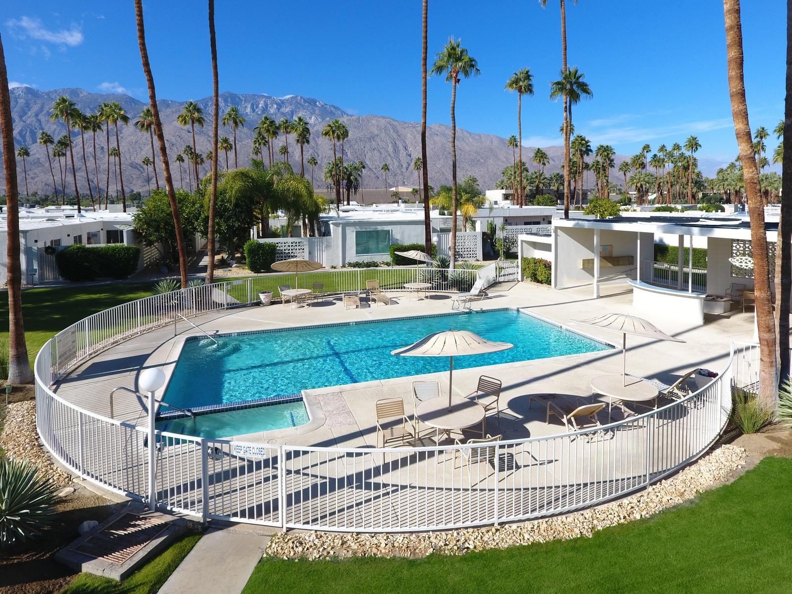 獨棟家庭住宅 為 出售 在 1804 Sandcliff Road Palm Springs, 加利福尼亞州, 92264 美國
