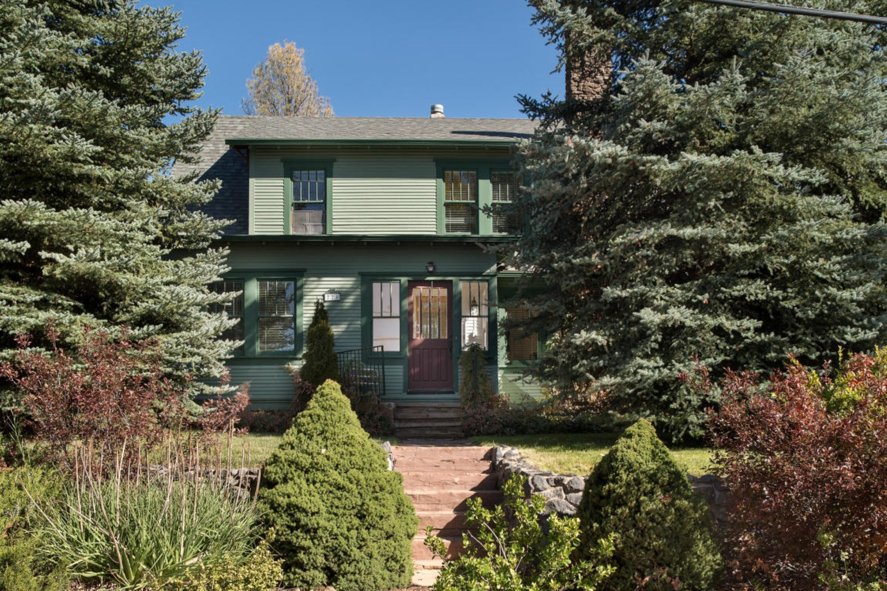 Maison unifamiliale pour l Vente à Historic downtown home 224 N Elden St Flagstaff, Arizona, 86001 États-Unis