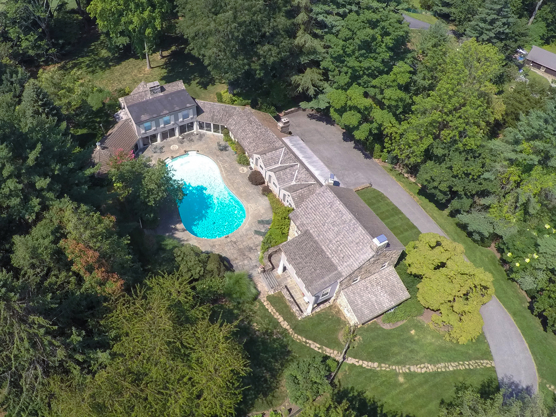 Villa per Vendita alle ore Breathtaking Property overlooking Merion Golf 20 Dartmouth Lane Haverford, Pensilvania, 19041 Stati Uniti