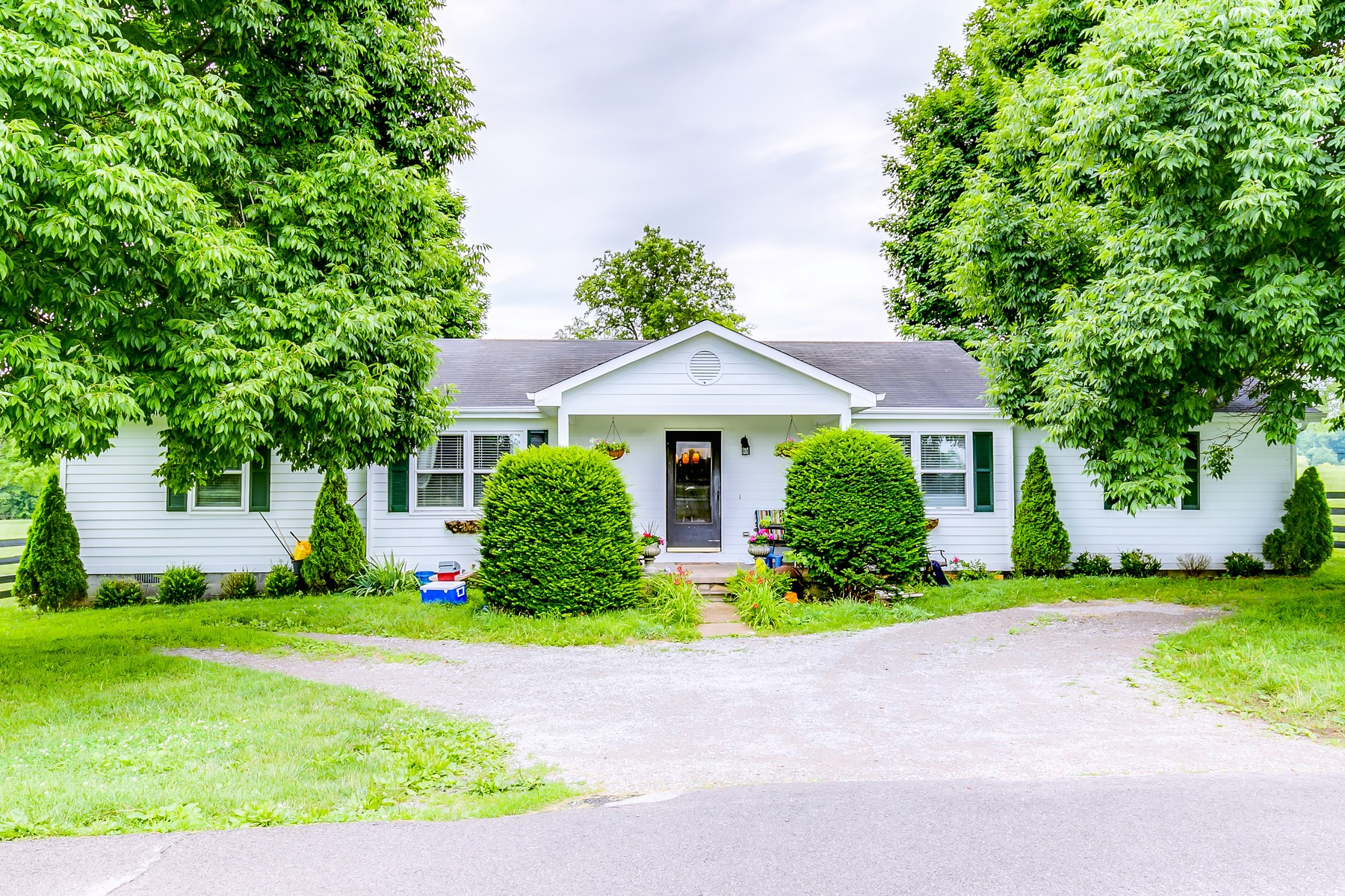 Additional photo for property listing at St. George Farm 635 Iron Works Pike Lexington, Kentucky 40511 United States