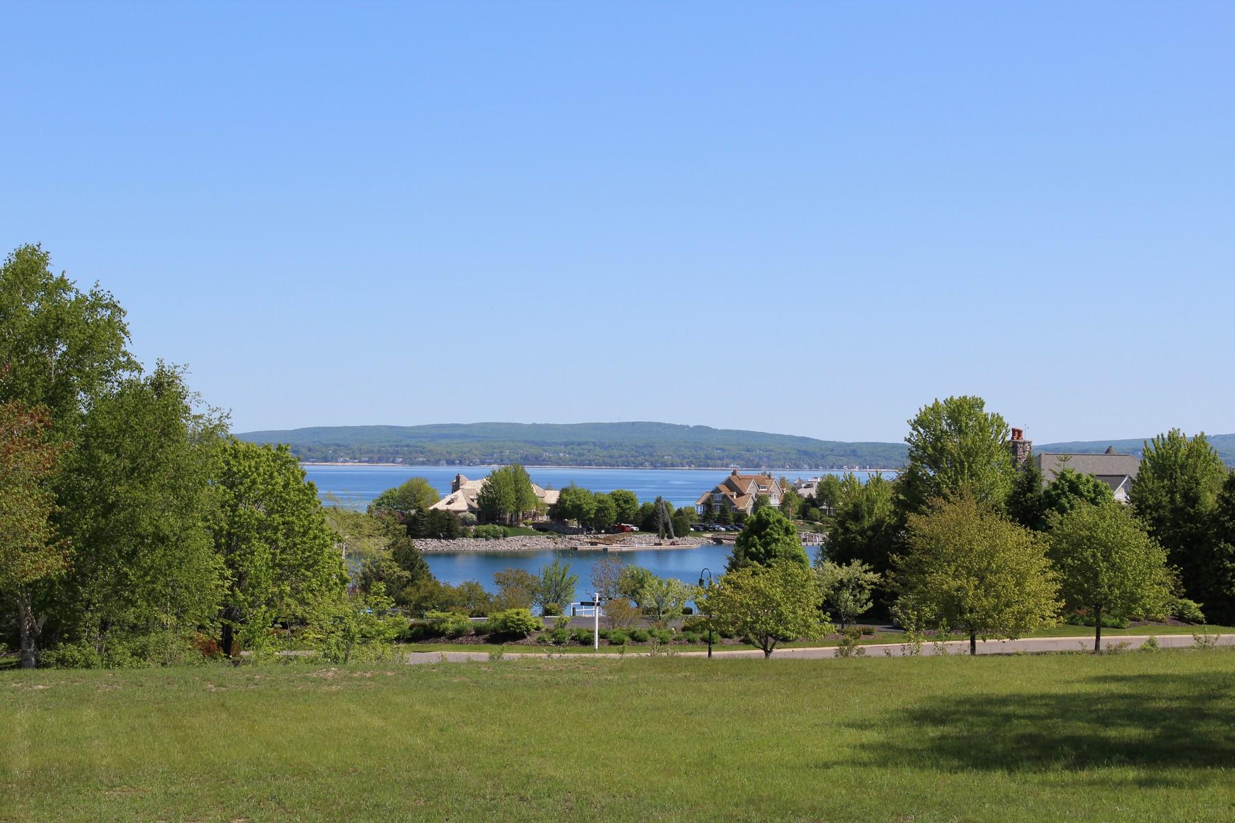 Terrain pour l Vente à 4521 Vista Court Bay Harbor, Michigan 49770 États-Unis