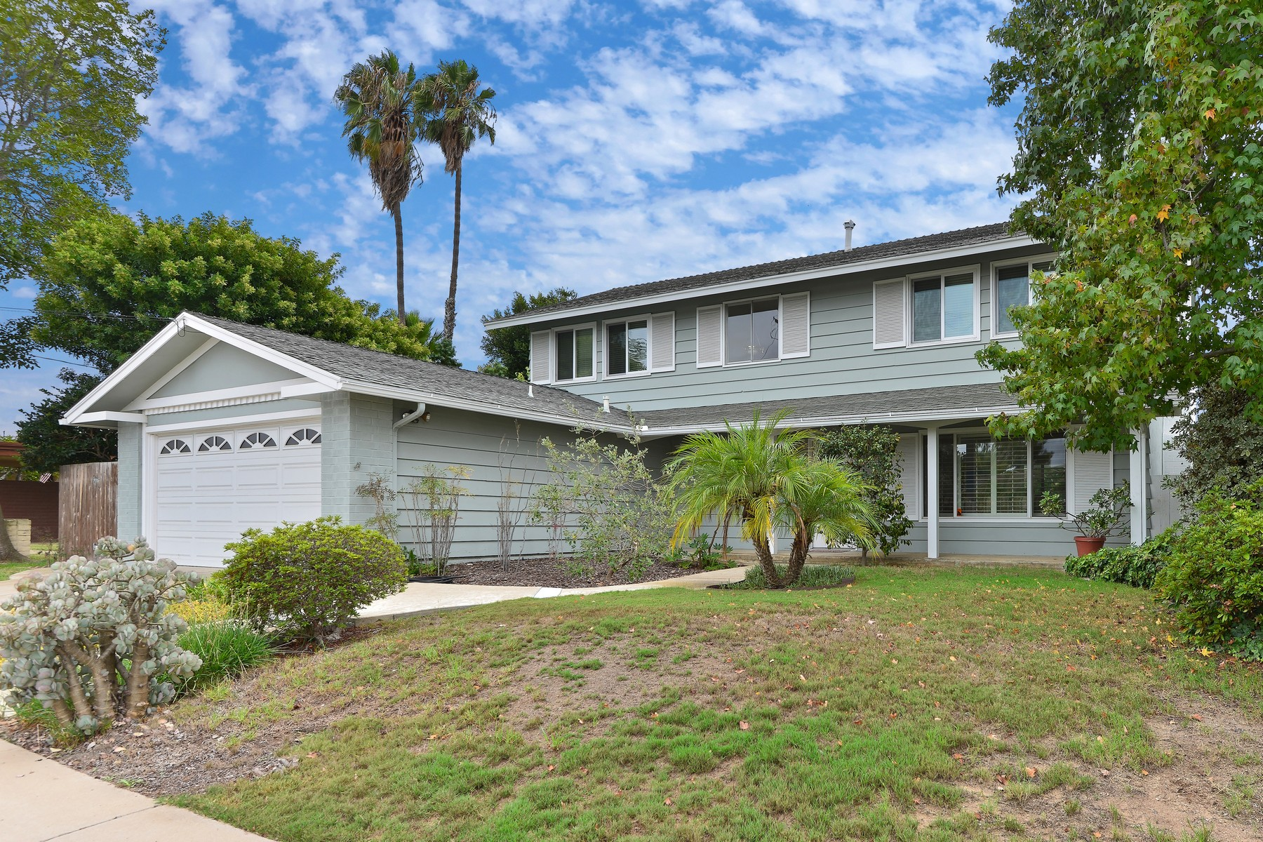 Maison unifamiliale pour l Vente à 4509 Pavlov Avenue University City, San Diego, Californie 92122 États-Unis