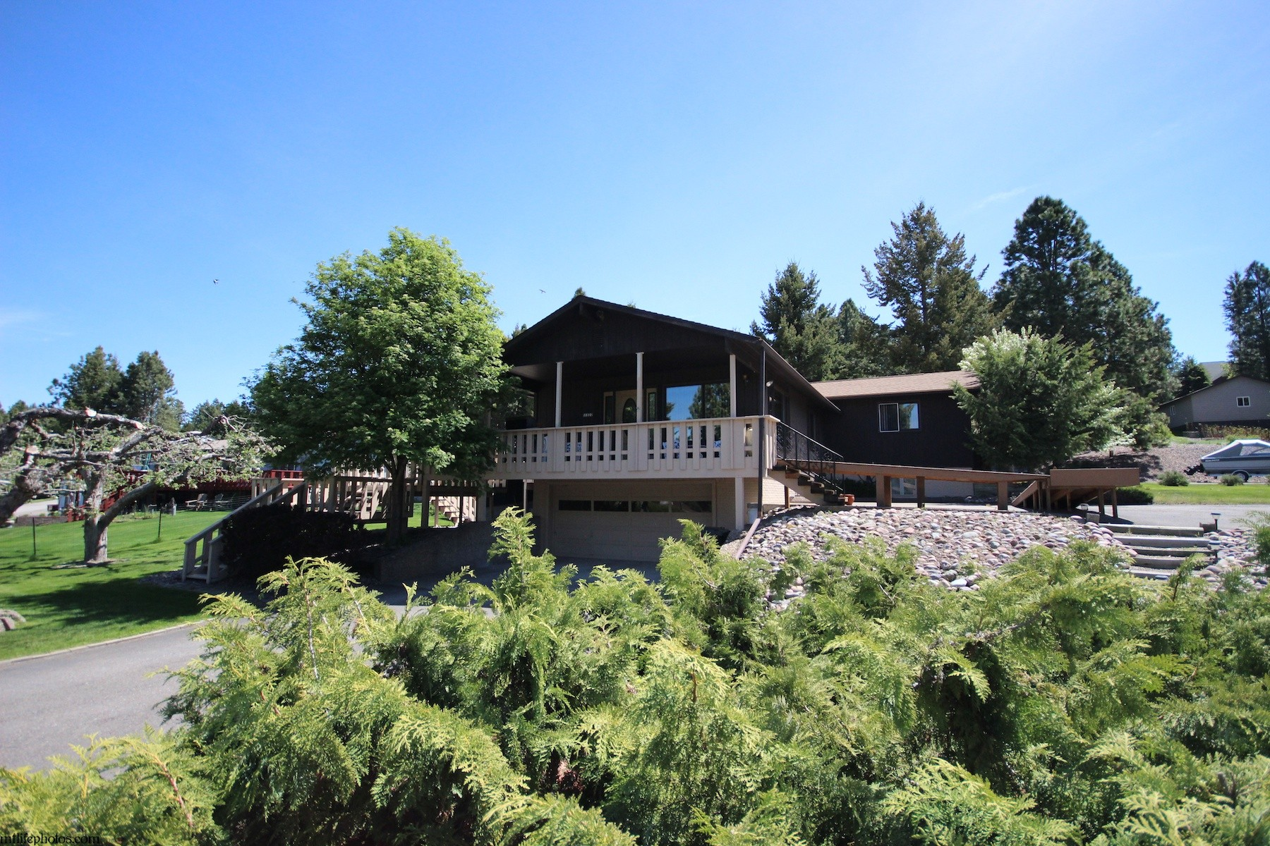 Single Family Home for Sale at Woods Bay Charmer 15322 Woods Bay Point Road Bigfork, Montana 59911 United States