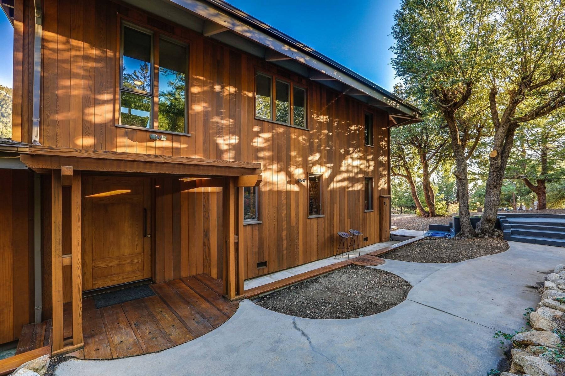 Casa Unifamiliar por un Venta en 55051 Forest Haven Idyllwild, California 92549 Estados Unidos