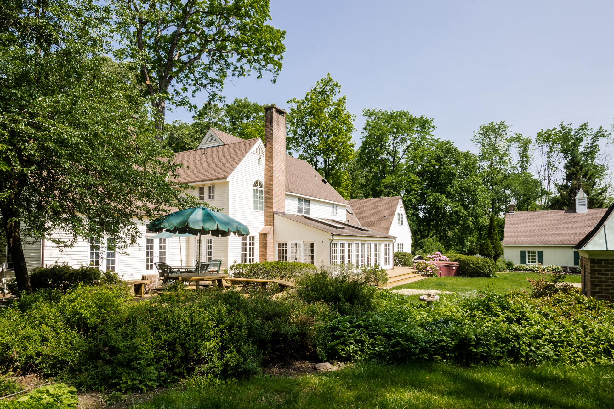 Additional photo for property listing at A Majestic Setting for Distinctive Lawrence Estate - Lawrence Township 4497 Province Line Road Princeton, New Jersey 08540 United States