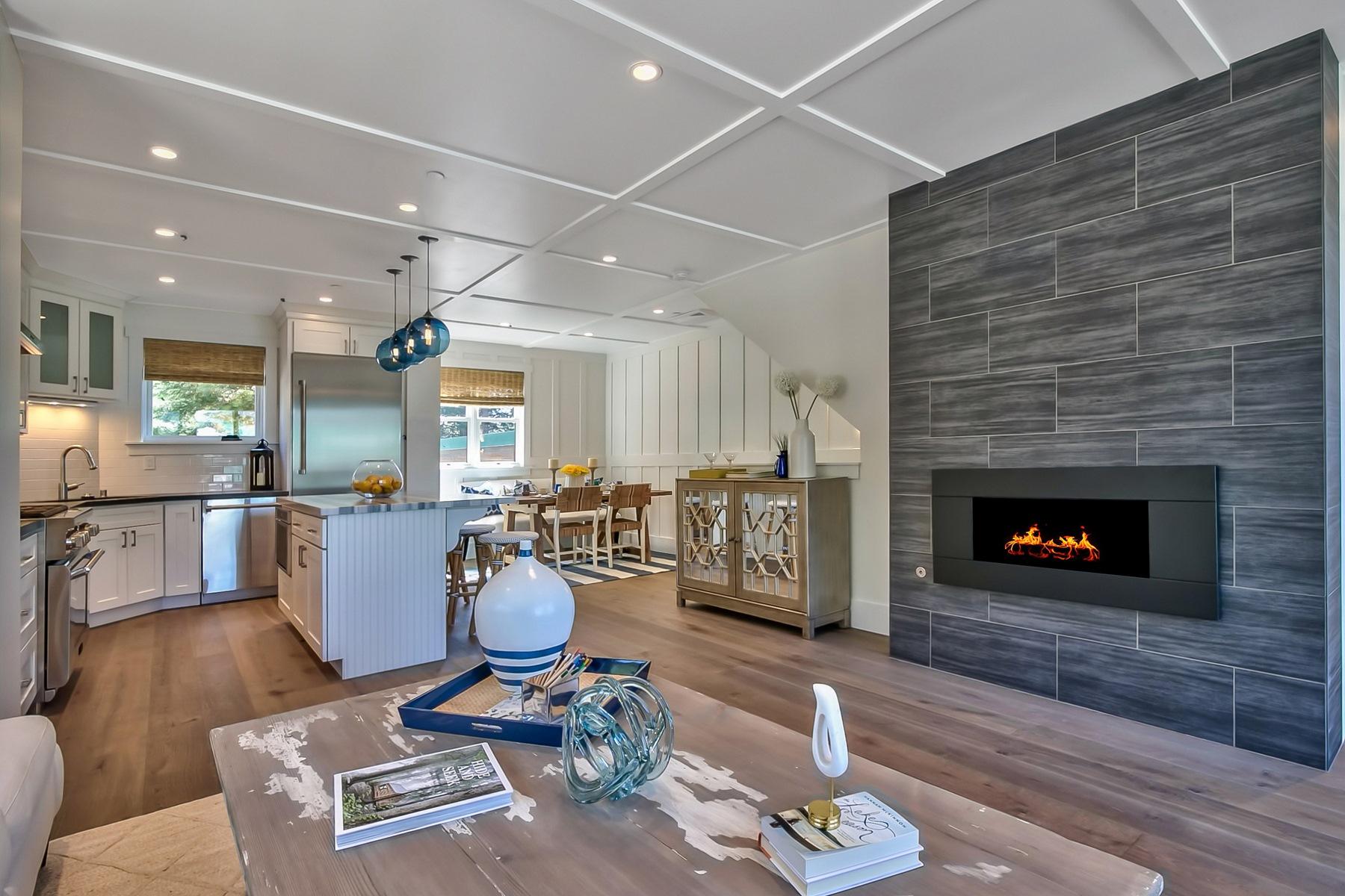 Condominio por un Venta en 8308 North Lake Boulevard, Unit 2 8308 North Lake Boulevard Unit 2 Kings Beach, California 96143 Estados Unidos