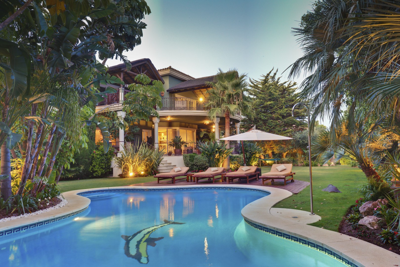 Single Family Home for Sale at Exclusive villa in Goden Mile Marbella, Costa Del Sol, 29600 Spain