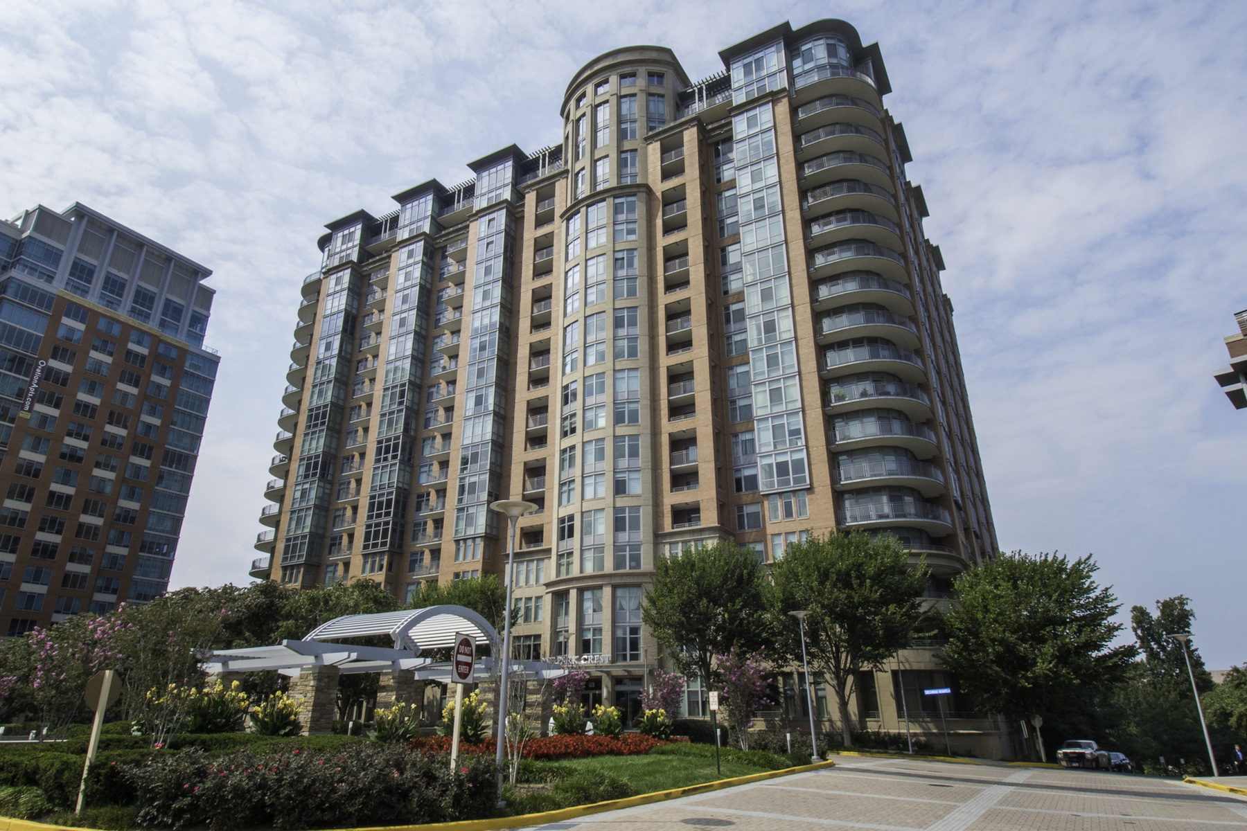 Condominium for Sale at Tysons Corner 8220 Crestwood Heights Dr 813 McLean, Virginia 22102 United States