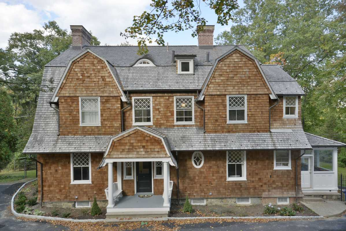 Vivienda unifamiliar por un Venta en The Bruce Price Cottage 18 Pepperidge Rd Tuxedo Park, Nueva York 10987 Estados Unidos