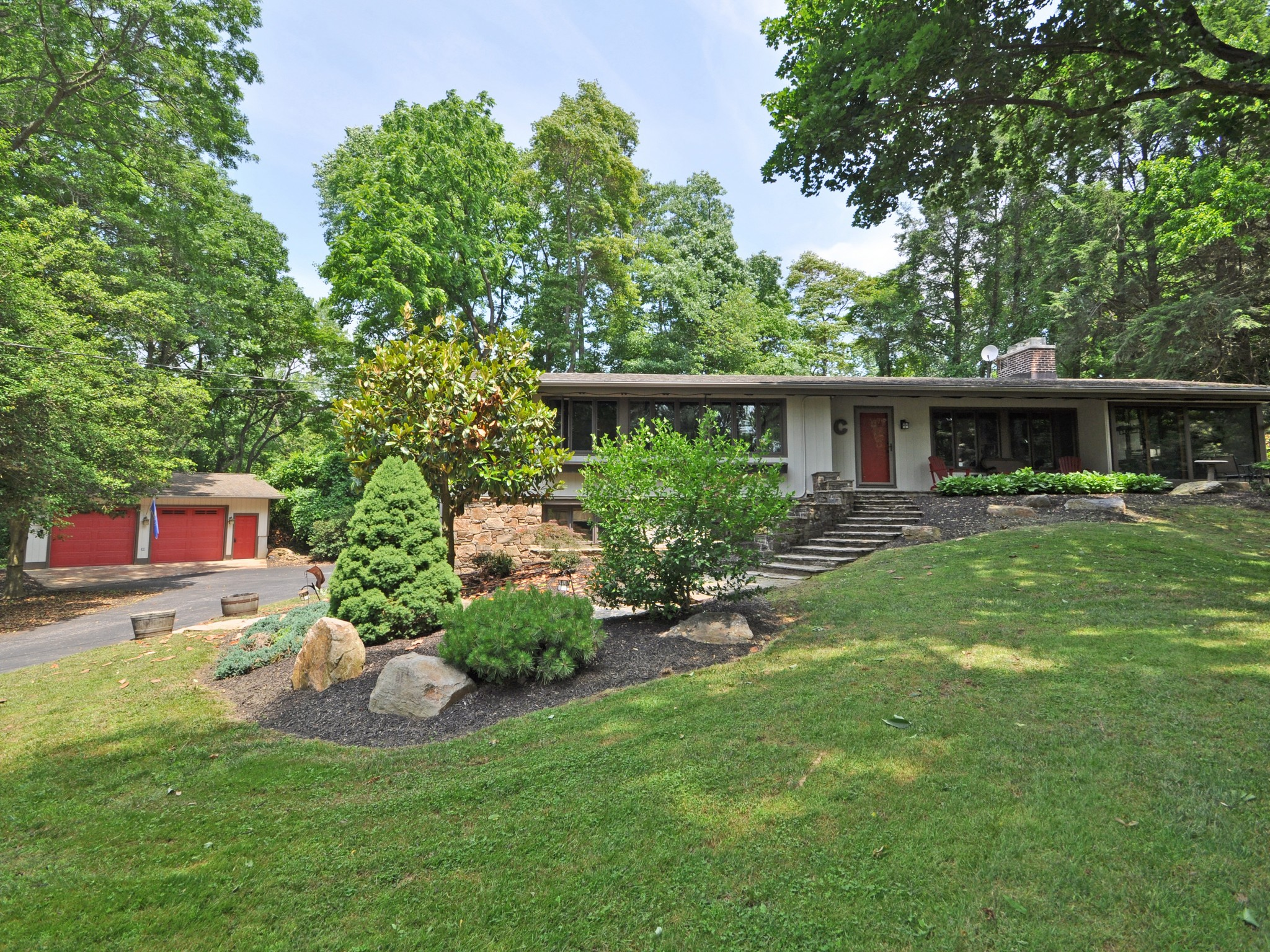 Single Family Home for Sale at 101 Burnt Mill Rd Wilmington, Delaware 19807 United States