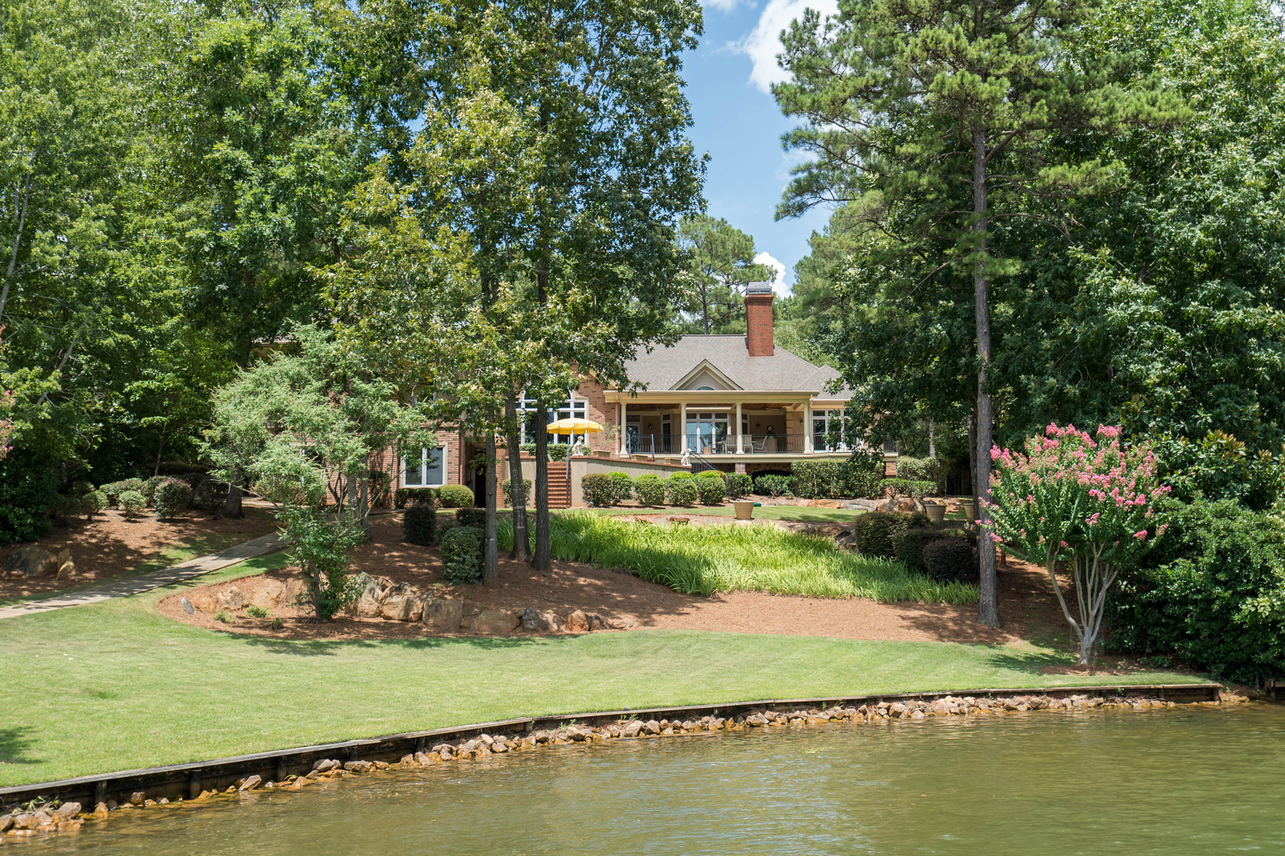 Single Family Home for Active at Gorgeous Custom Home On Lake Oconee 1020 Park House Lane Greensboro, Georgia 30642 United States